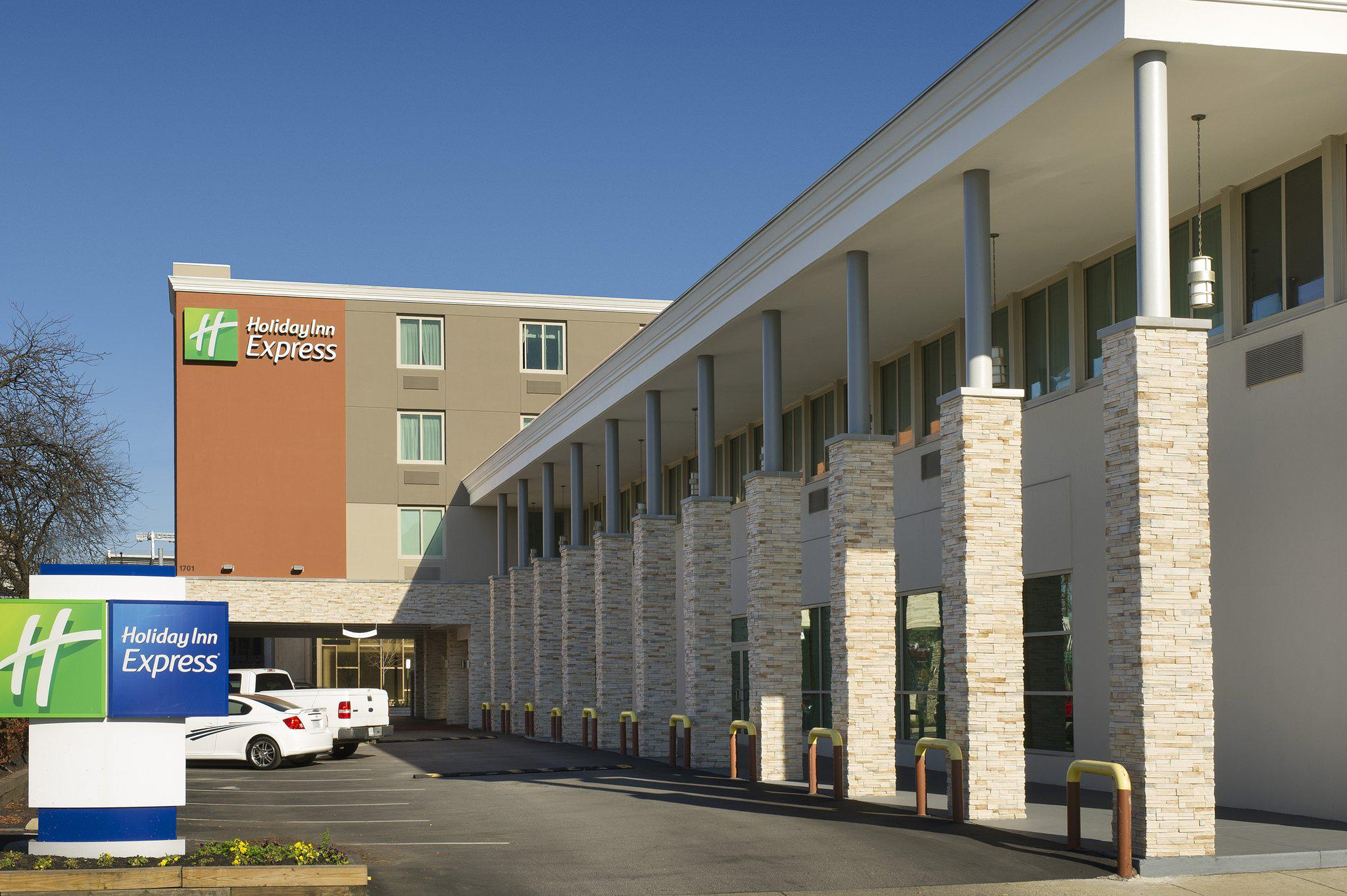 Holiday Inn Express Baltimore at the Stadiums in Baltimore, MD, photo #2