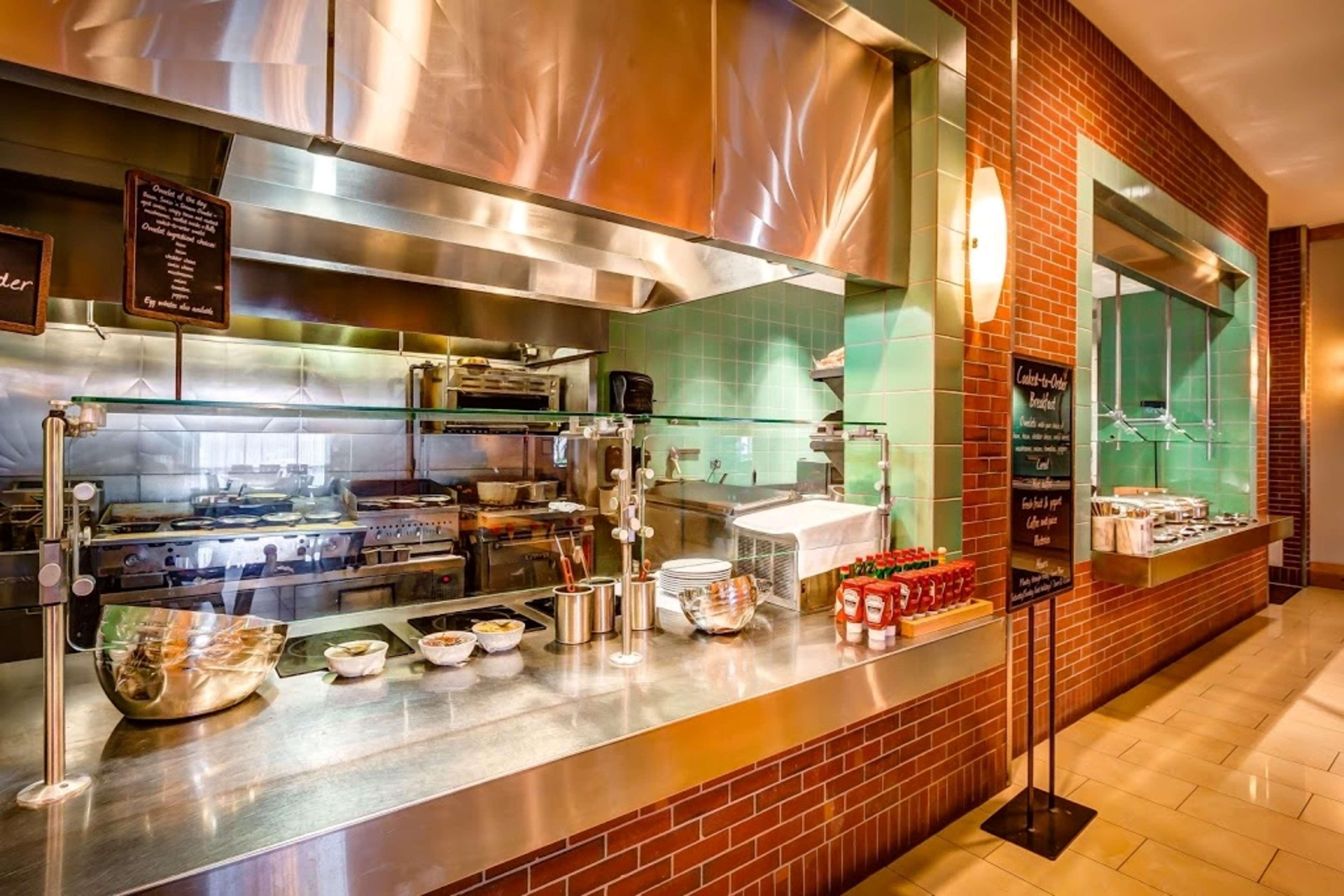 Embassy Suites by Hilton Houston Energy Corridor image 18