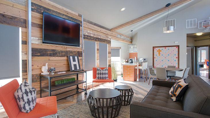 The Hub at Auburn Apartment Homes image 0