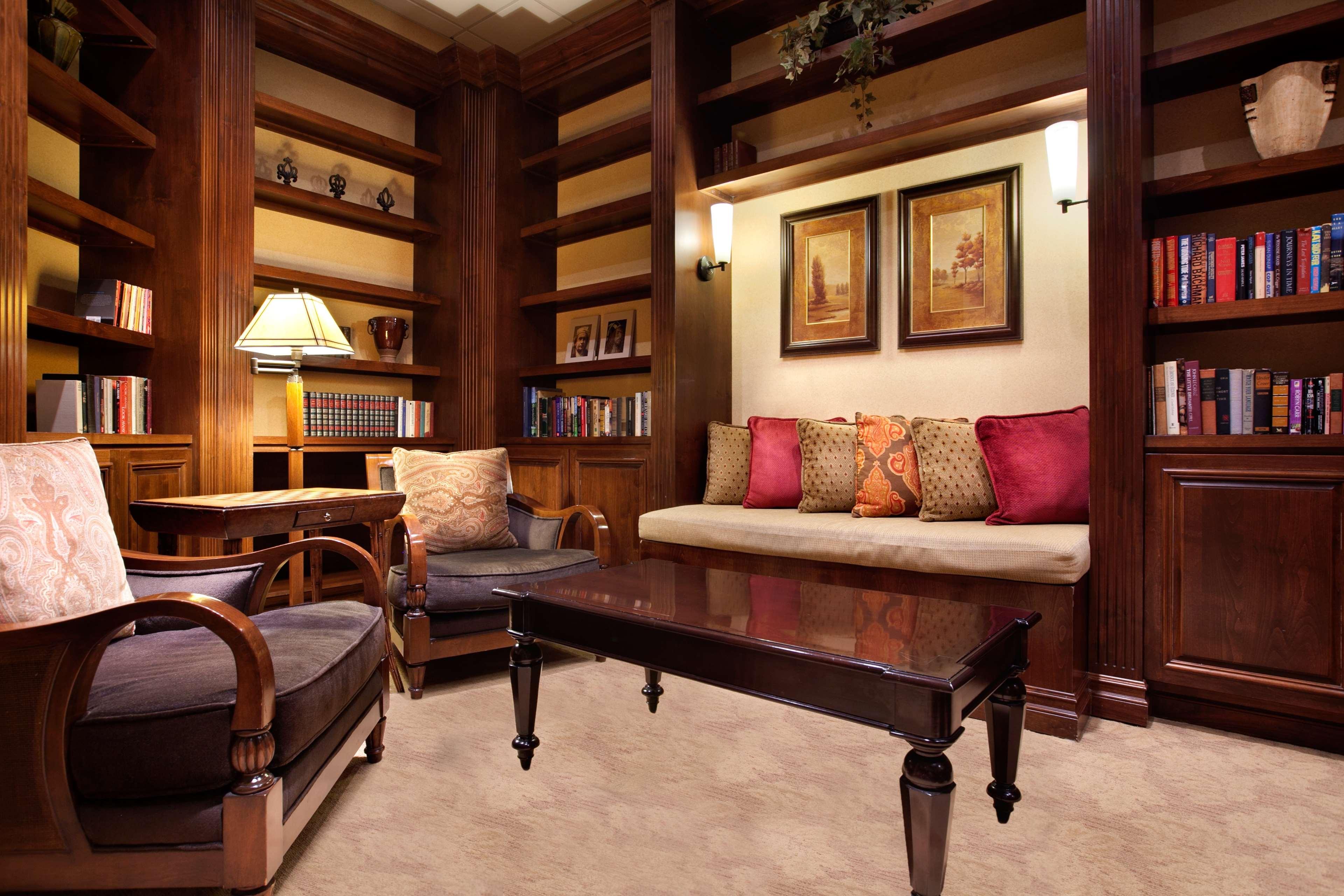 Embassy Suites by Hilton La Quinta Hotel & Spa image 42