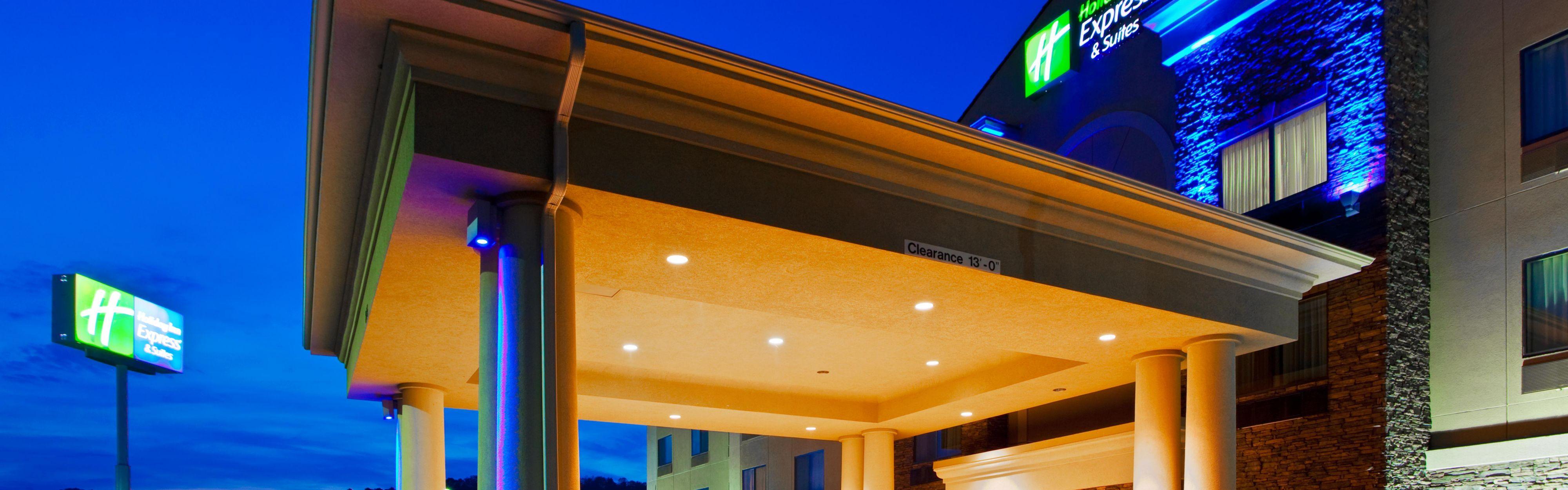 Holiday Inn Express & Suites Weston image 0