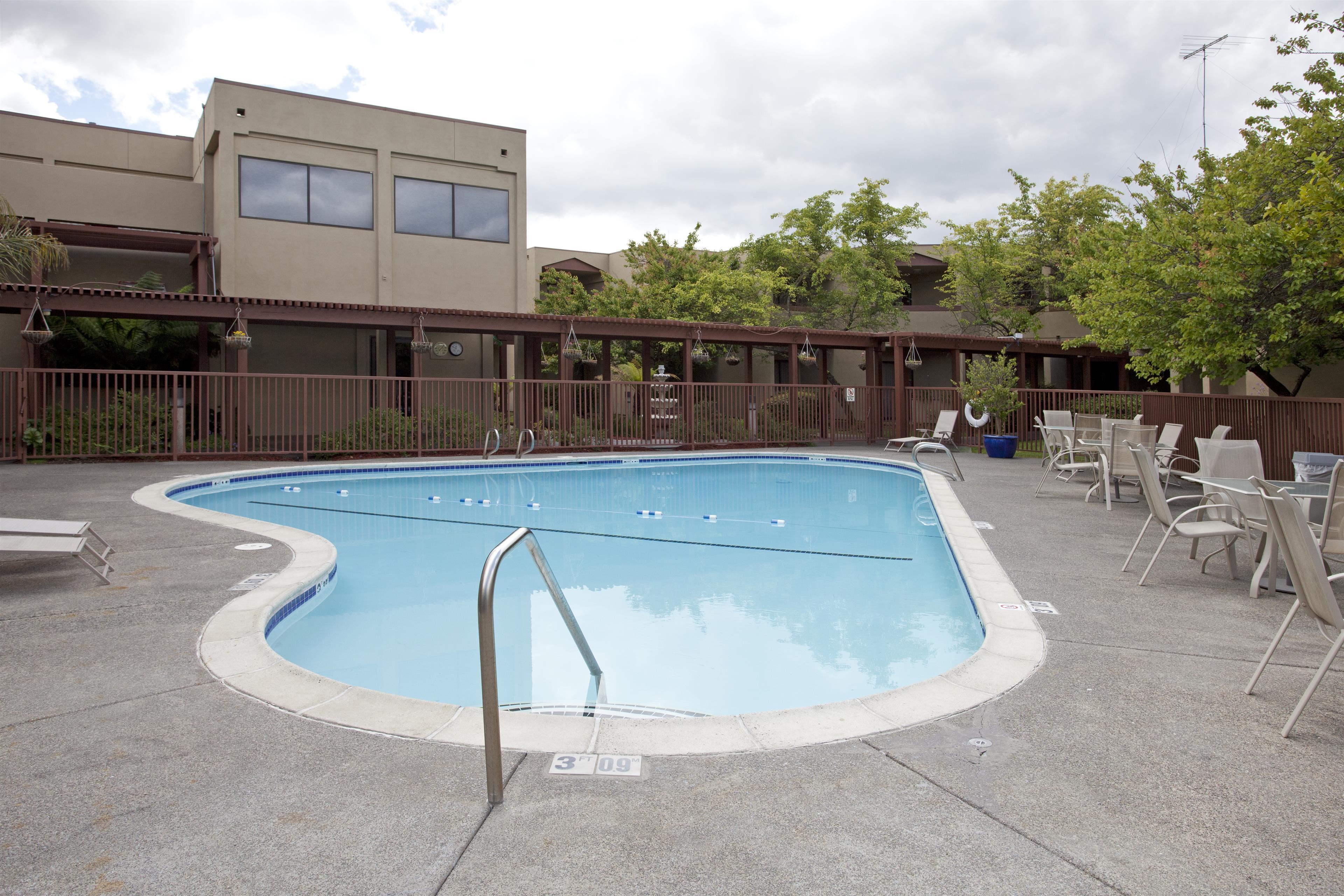 Best Western Plus Wine Country Inn Suites Santa Rosa Ca Company Information