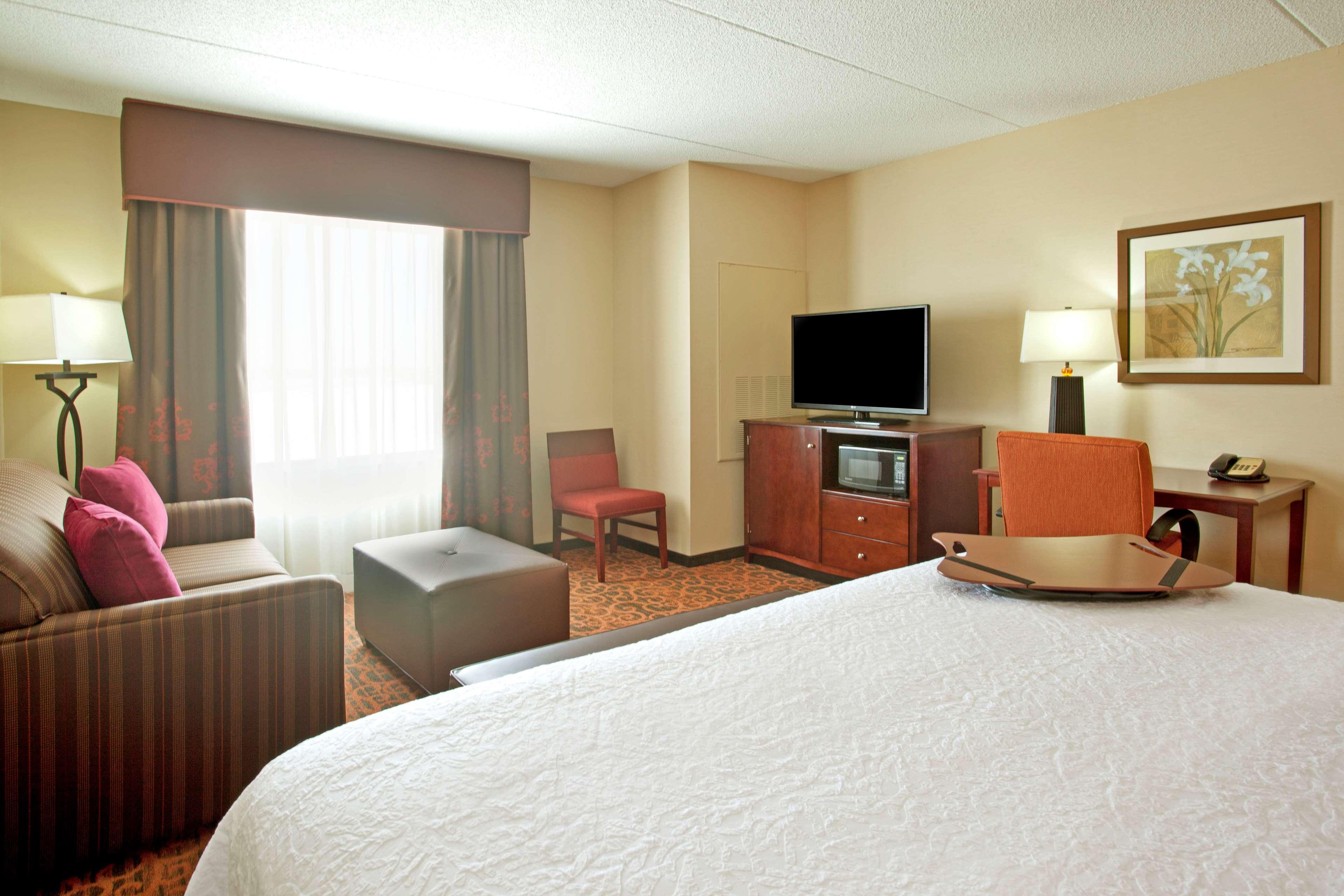 Hampton Inn Suites Minneapolis St Paul Arpt-Mall of America image 15