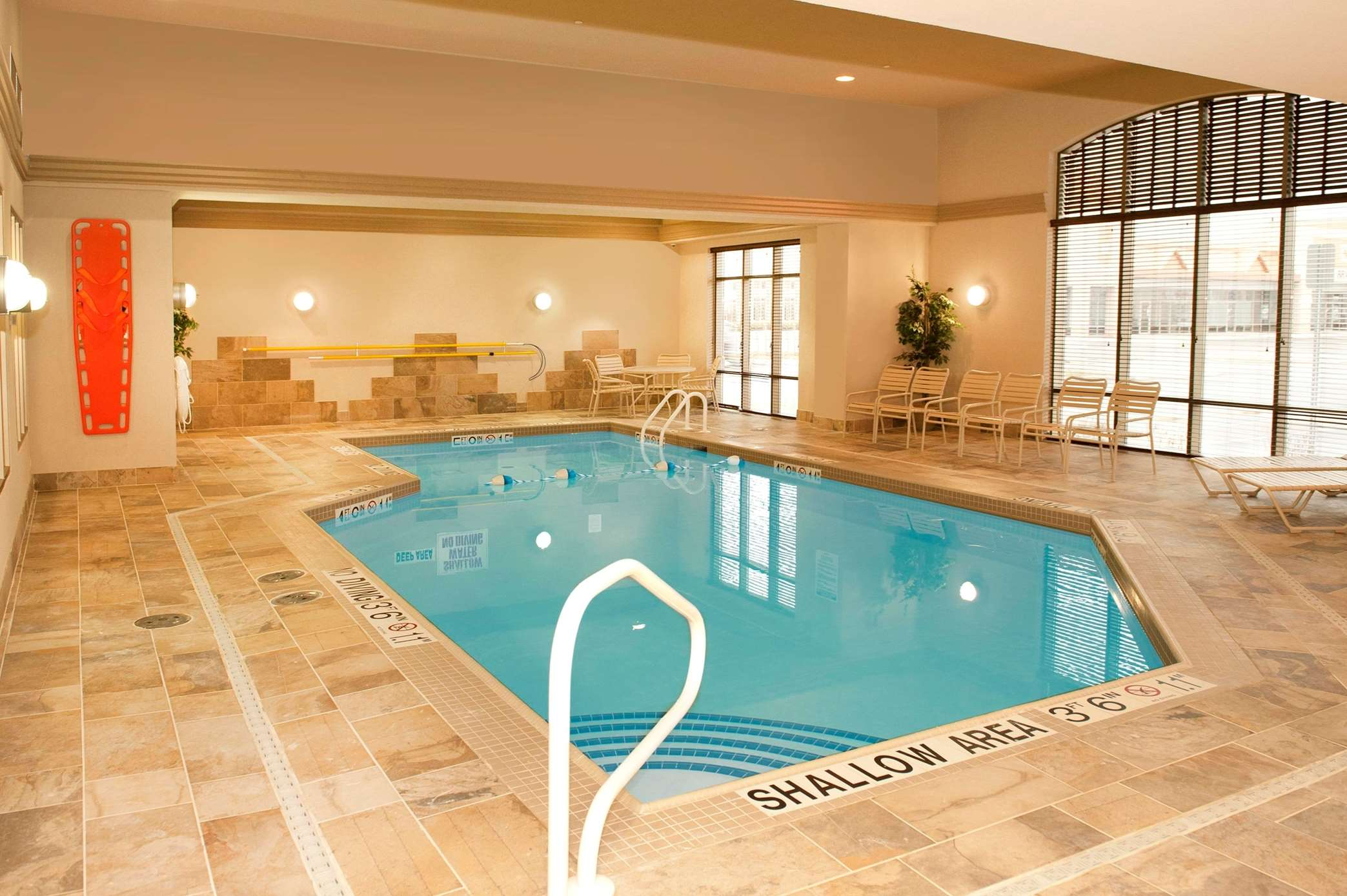 Hampton Inn by Hilton Brampton Toronto à Brampton: Indoor Pool