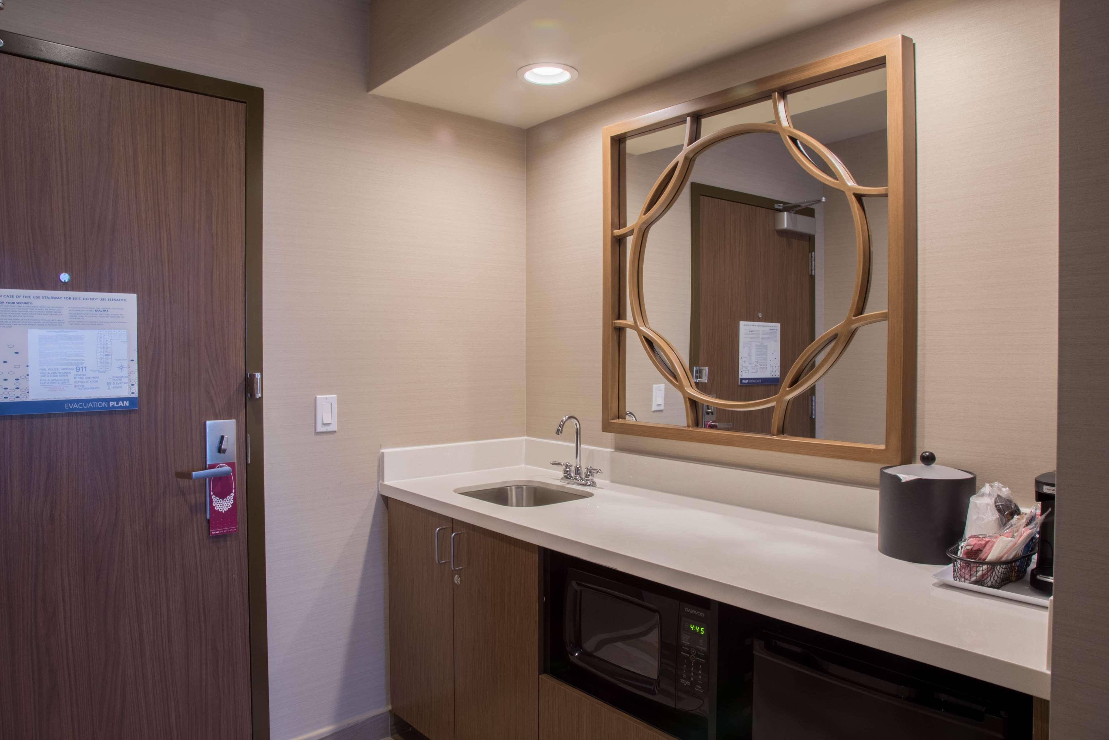 Hampton Inn & Suites Murrieta Temecula image 29