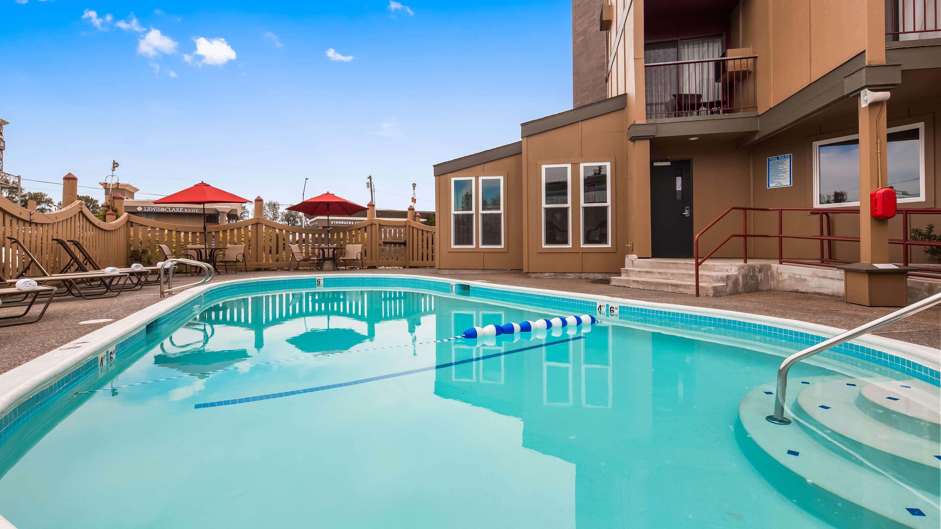 Best Western Plus Rivershore Hotel image 28