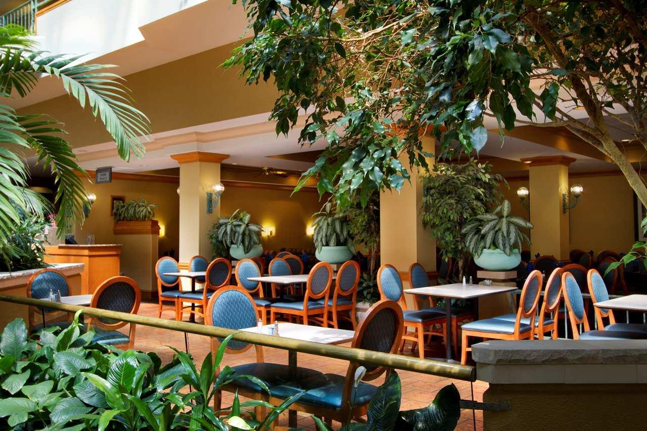 Embassy Suites by Hilton Greensboro Airport image 4
