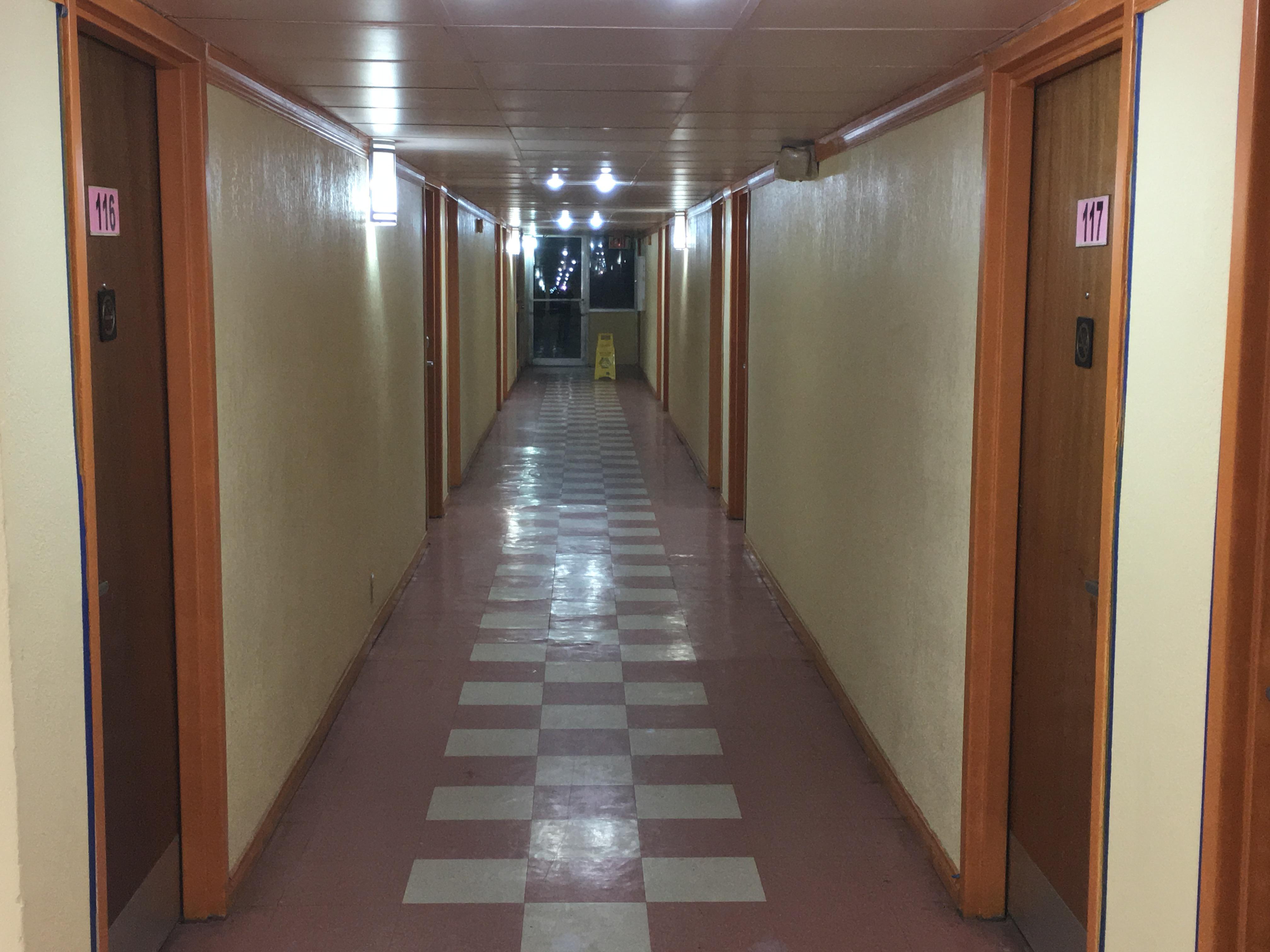Red Carpet Inn & Suites image 5