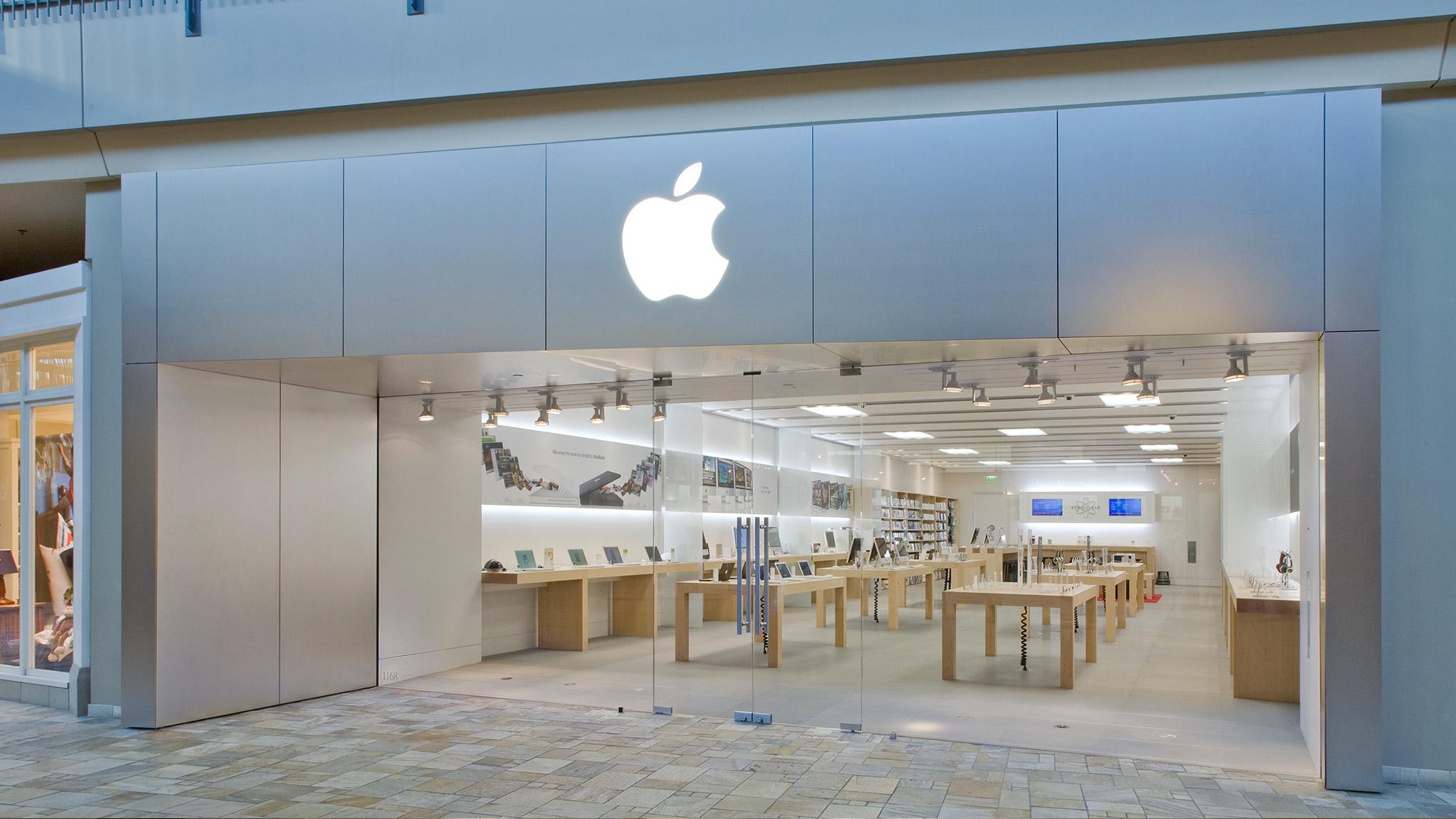 Apple FlatIron Crossing image 0