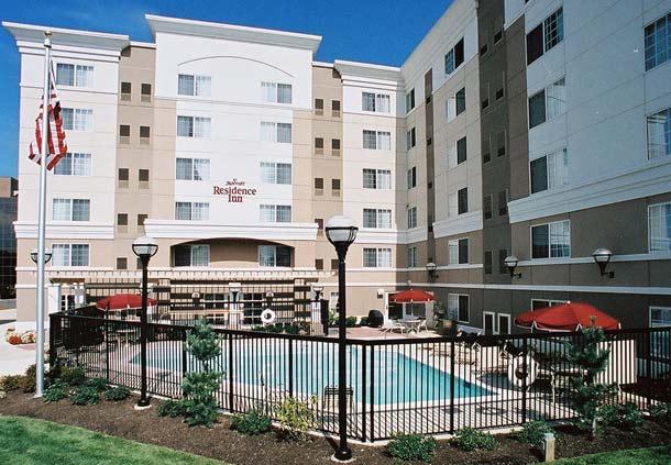 Residence Inn by Marriott Tysons Corner Mall image 3