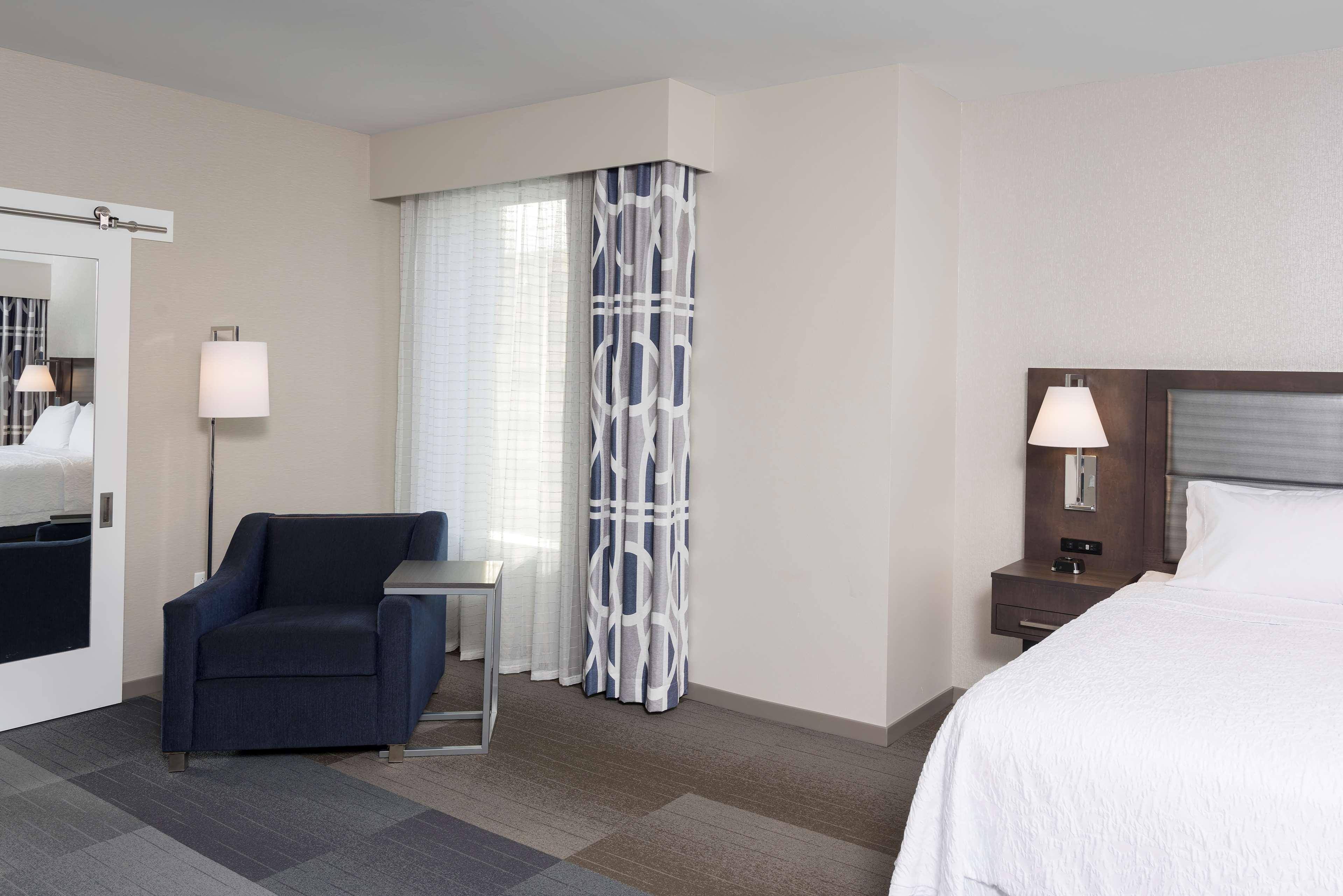 Hampton Inn & Suites Indianapolis-Keystone image 33