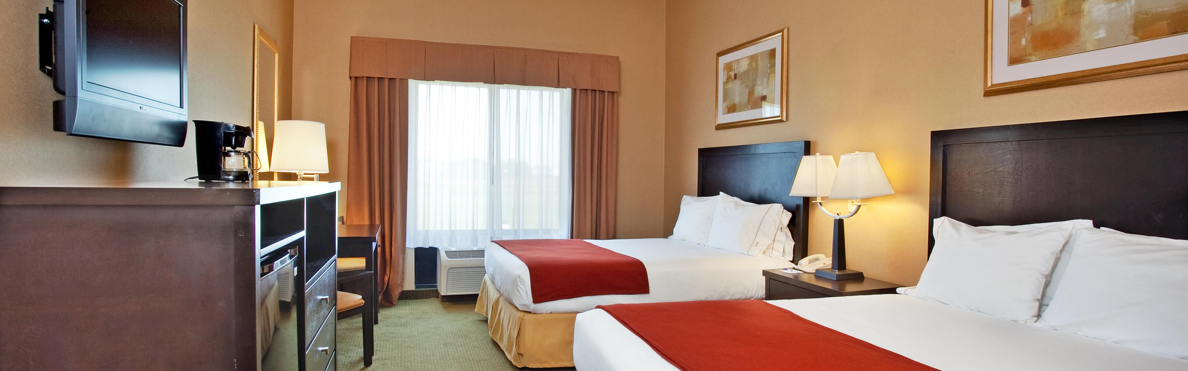 Holiday Inn Express & Suites Goodland image 1
