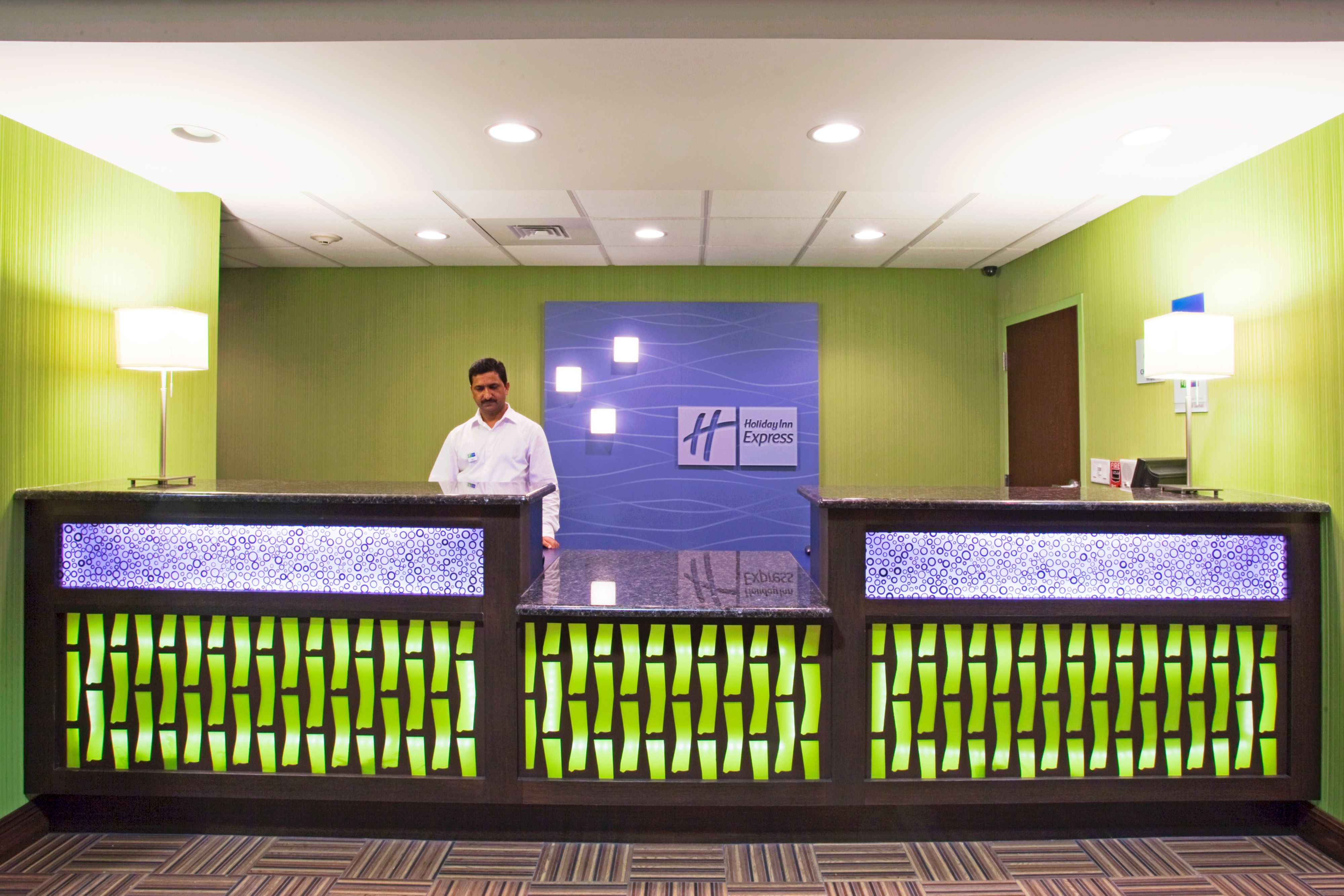 Holiday Inn Express & Suites Orlando - Apopka image 7