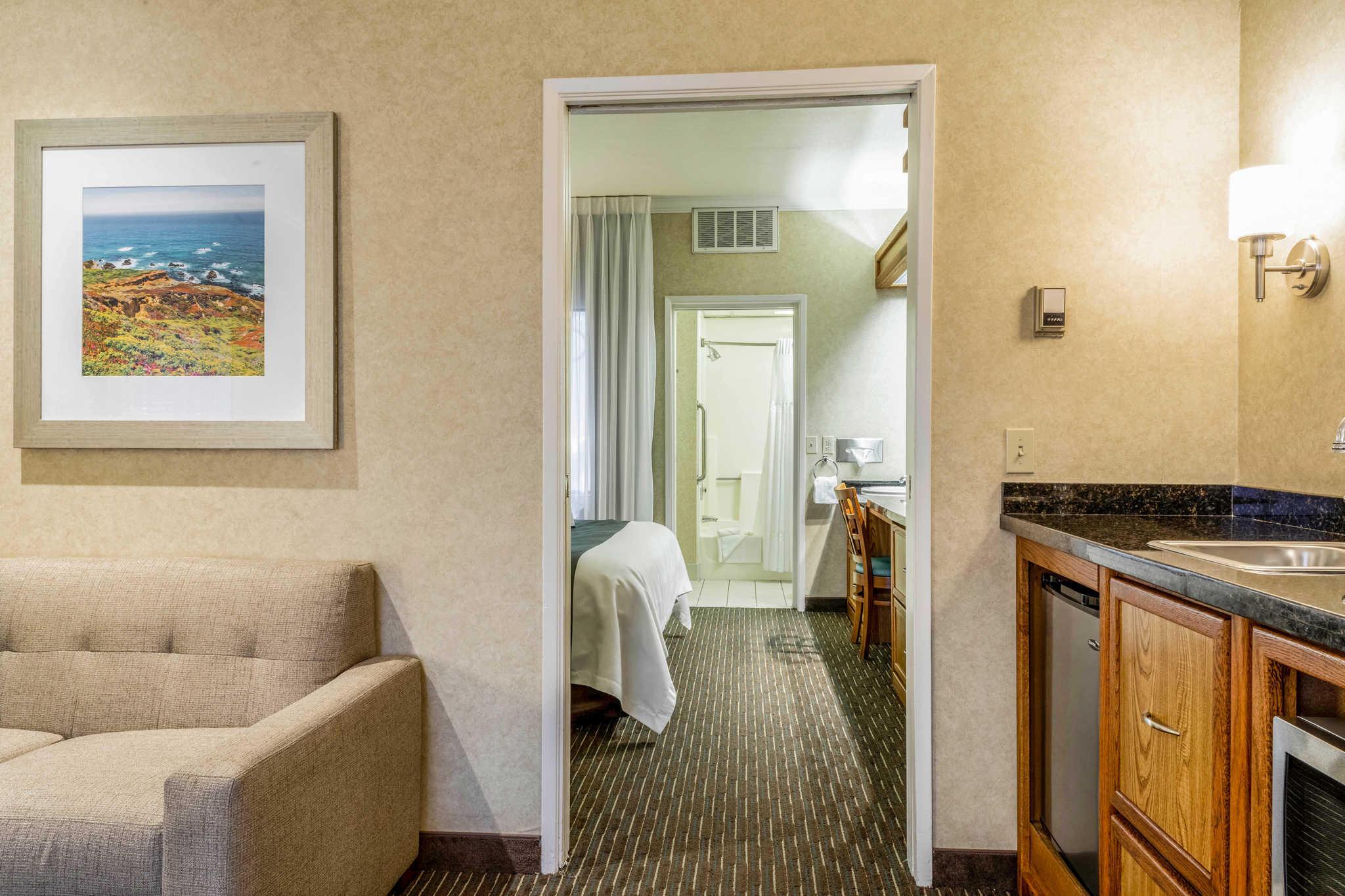 Quality Suites Downtown San Luis Obispo image 9