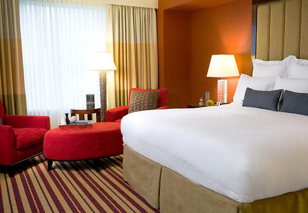 Renaissance Charlotte SouthPark Hotel image 3
