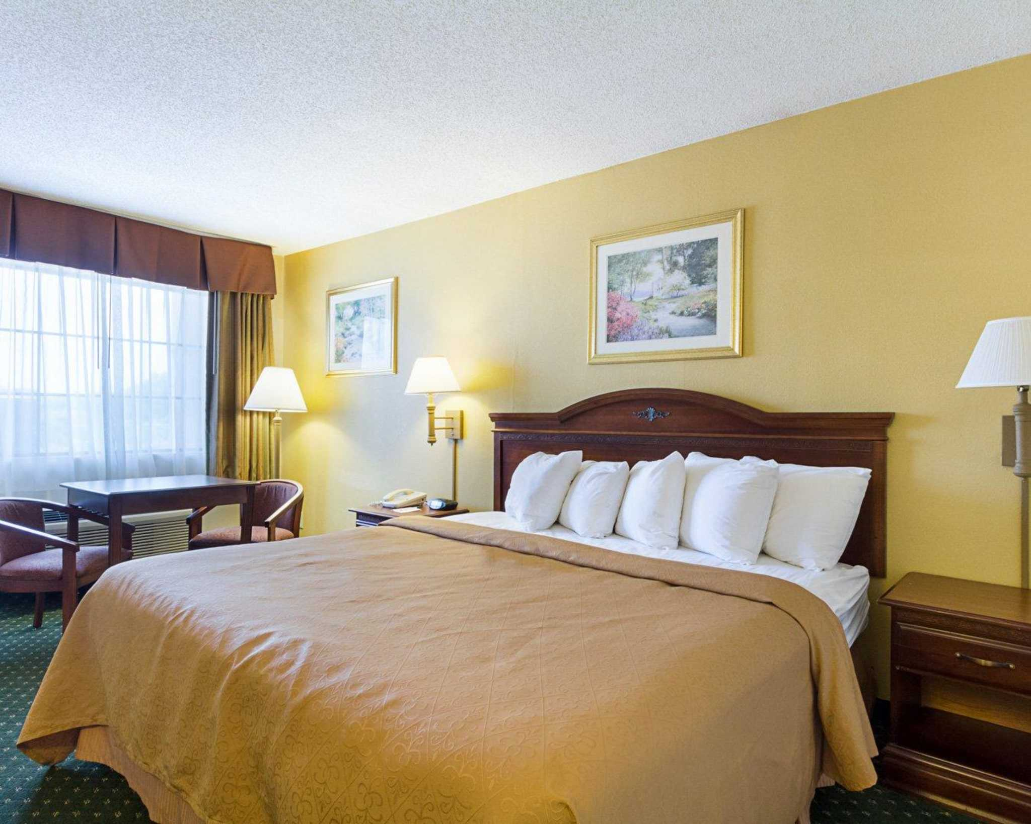 Quality Inn & Suites Southwest image 4