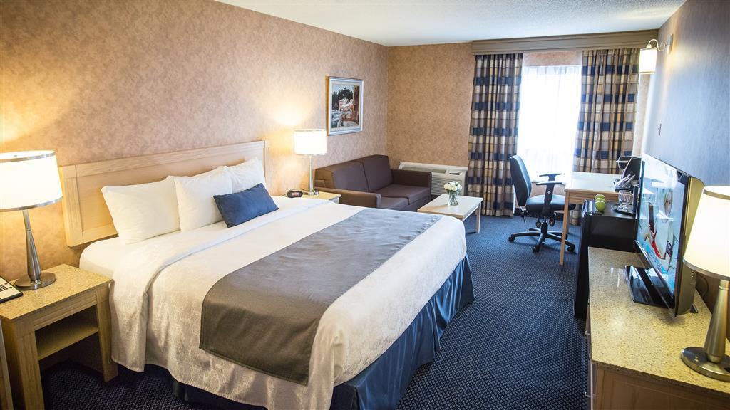 Best Western Hotel Brossard à Brossard: King Bed