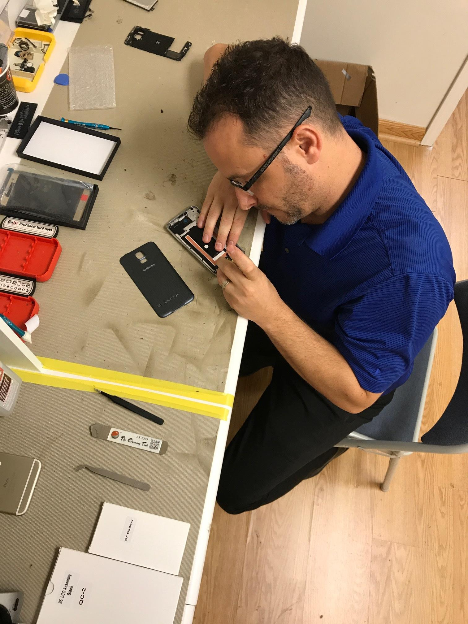 CPR Cell Phone Repair Houston - Windermere Lakes Plaza image 2
