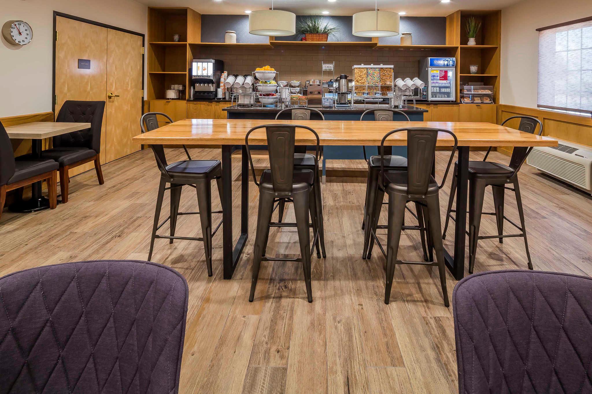 Comfort Suites El Paso Airport image 21