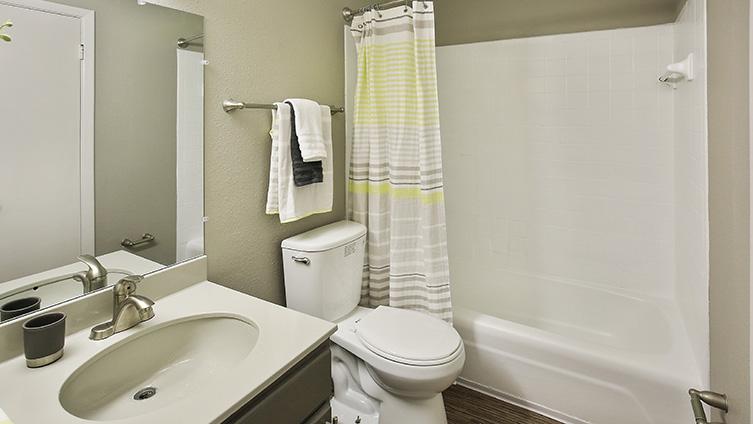 The Hub at Baton Rouge Apartment Homes image 19