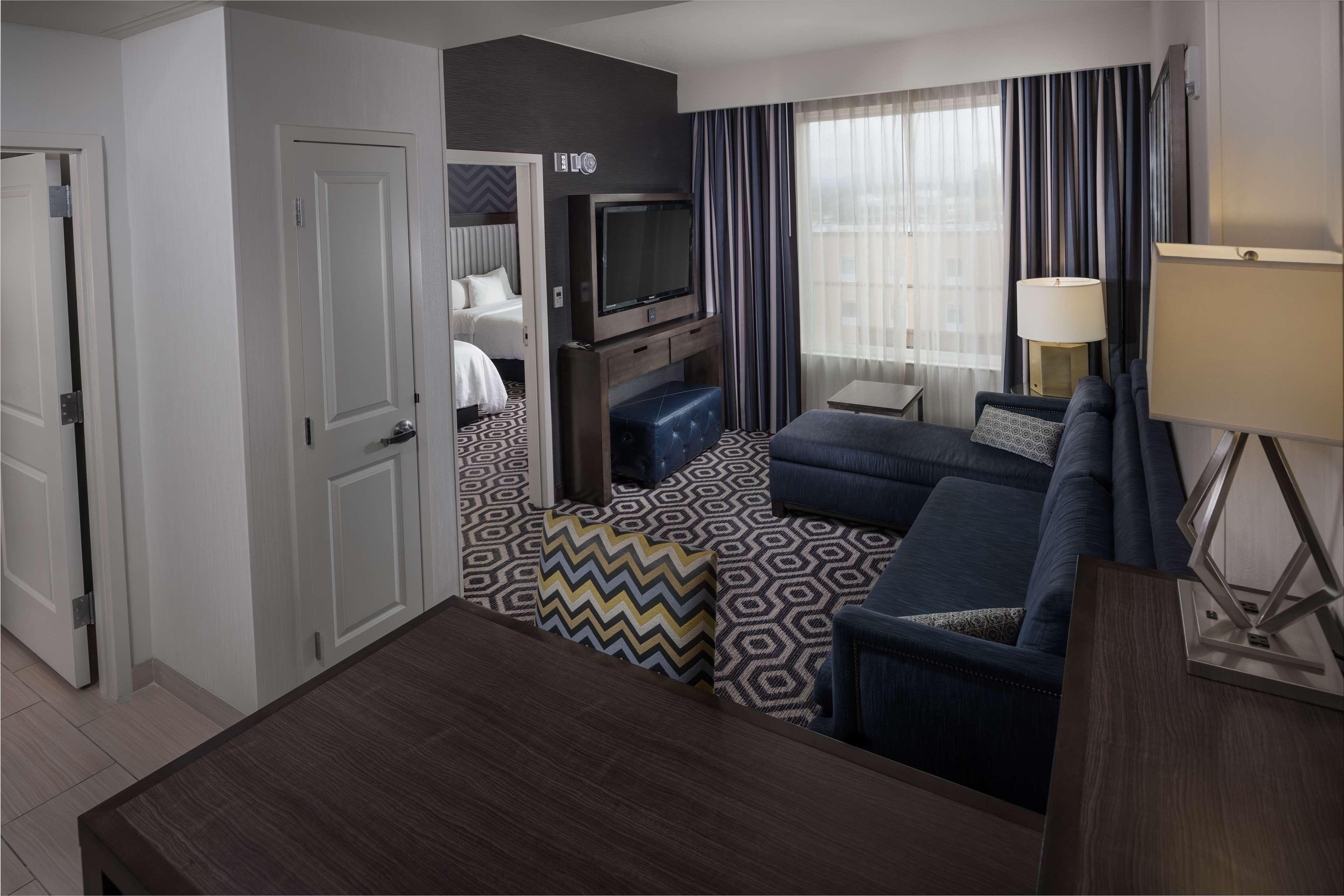 Embassy Suites by Hilton Portland Hillsboro, Oregon image 14