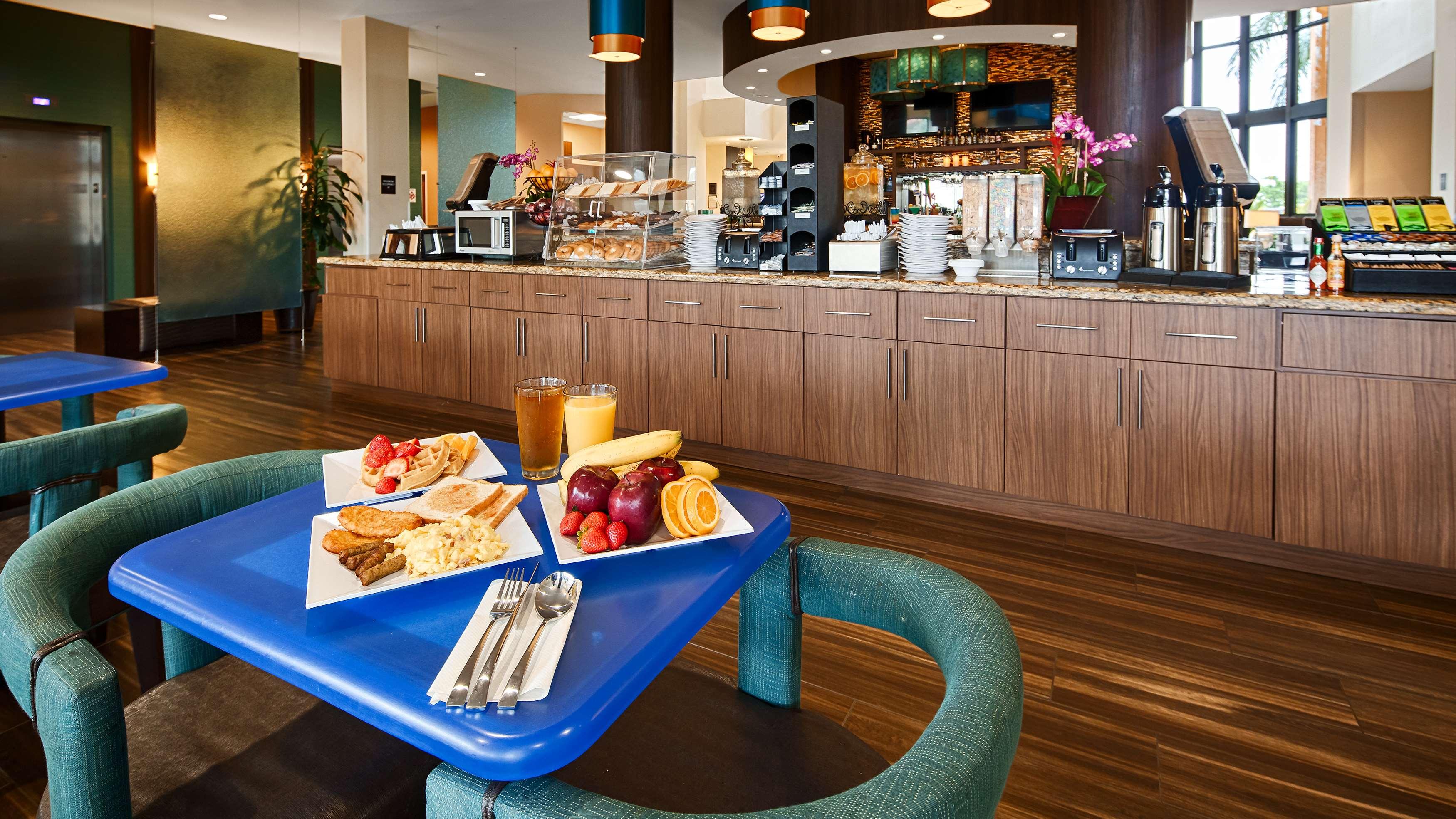 Best Western Plus Kendall Airport Hotel & Suites image 31