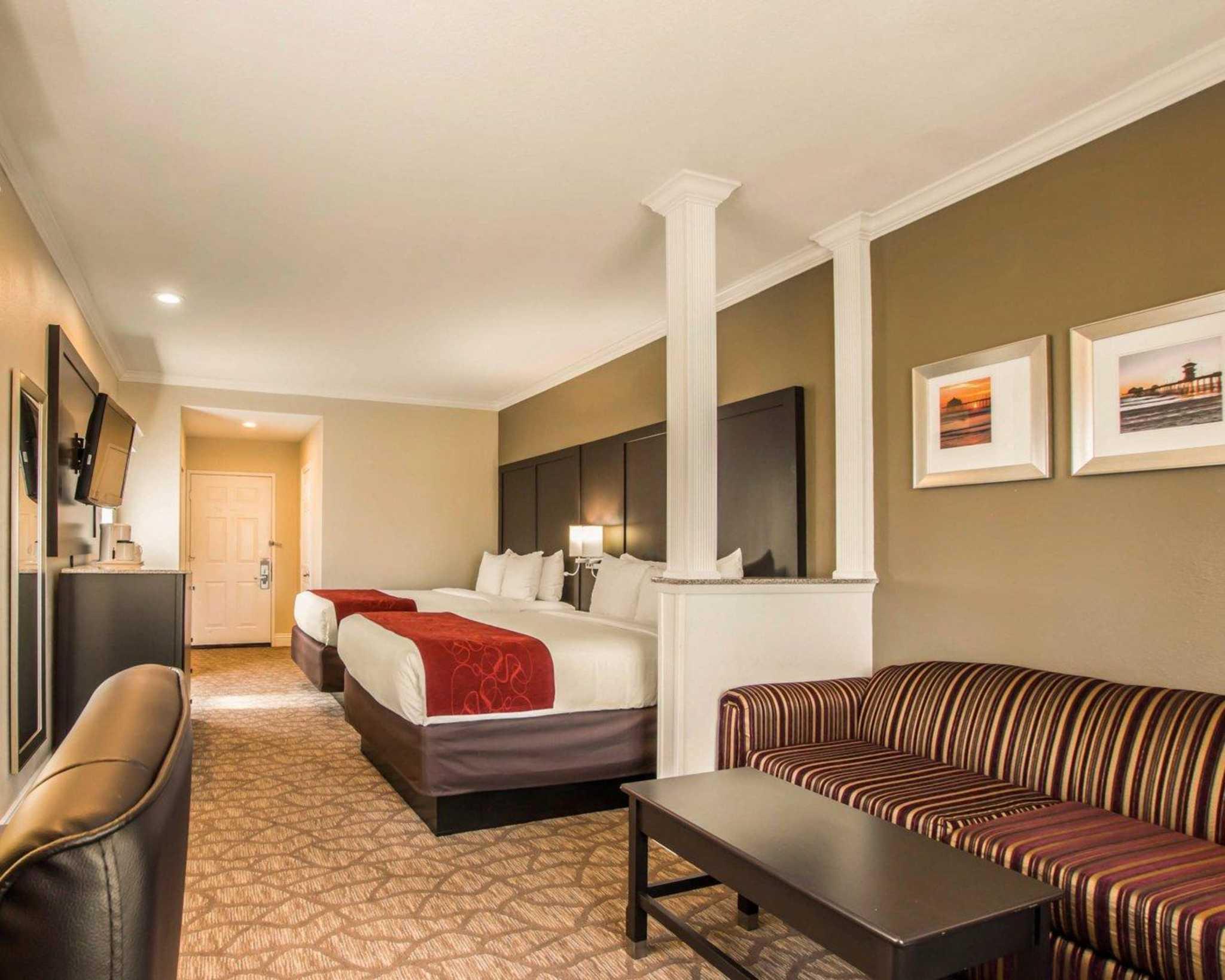 Comfort Suites Huntington Beach image 7
