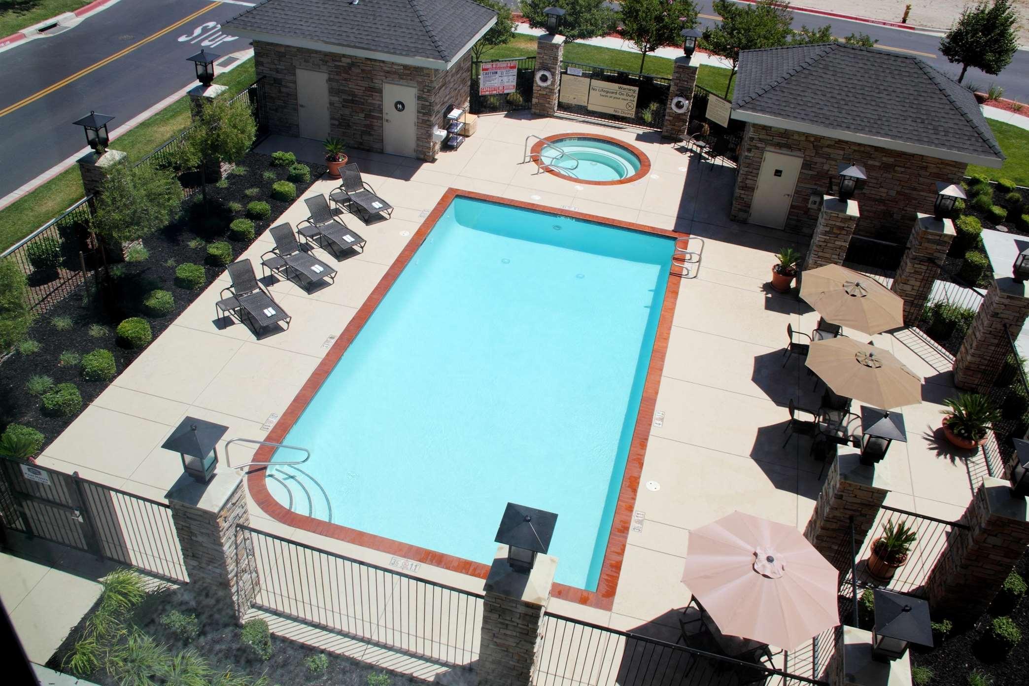 Hampton Inn & Suites Manteca image 12