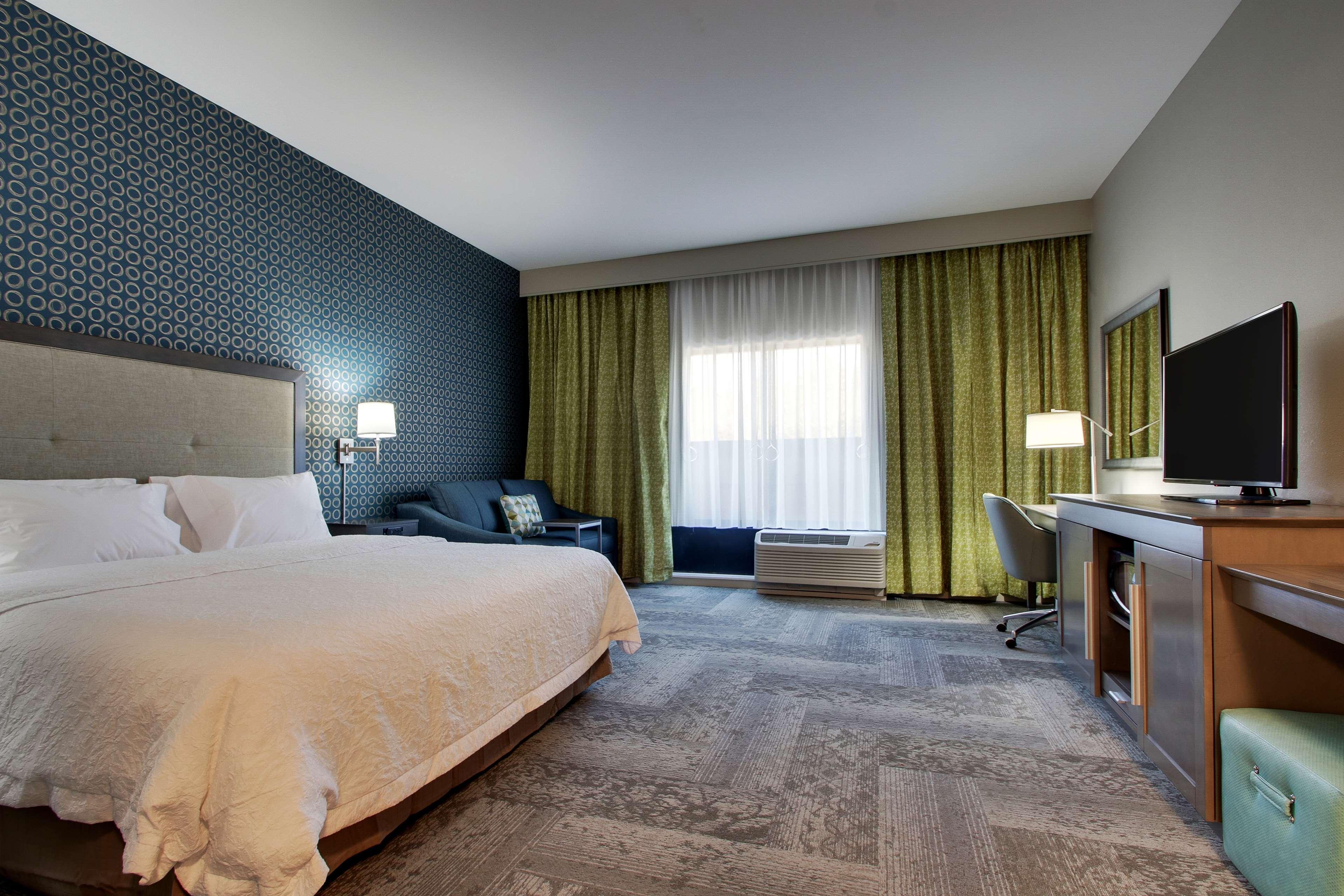 Hampton Inn & Suites Knightdale Raleigh image 20