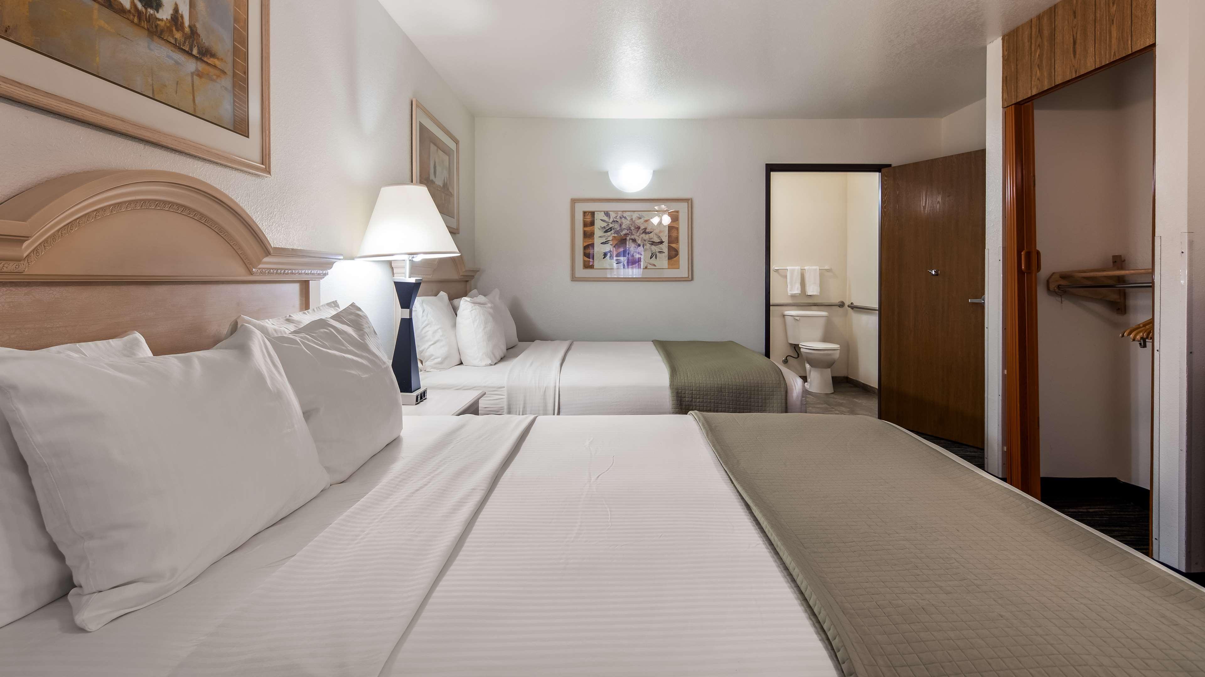 SureStay Hotel by Best Western Falfurrias image 7