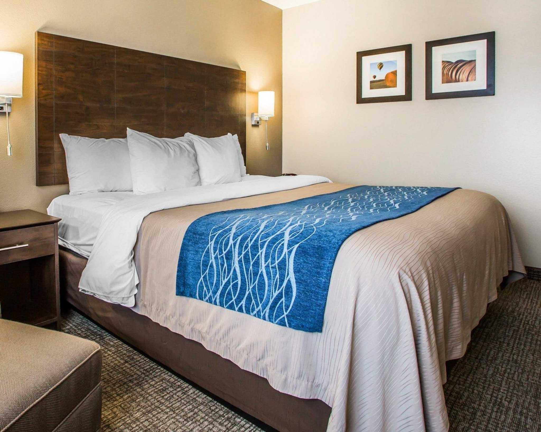 Comfort Inn & Suites Waterloo – Cedar Falls image 6
