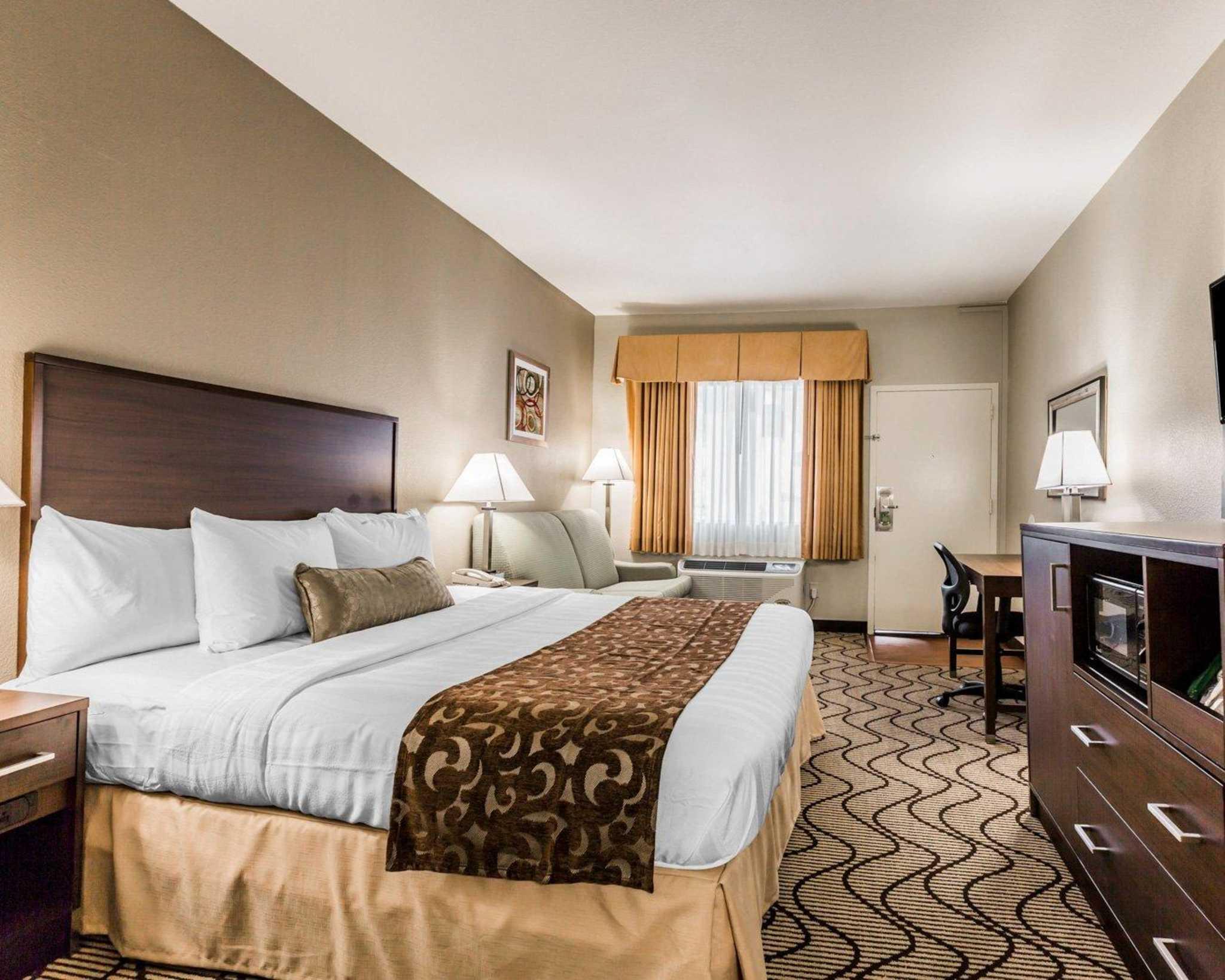 Comfort Inn & Suites Orange County John Wayne Airport image 14