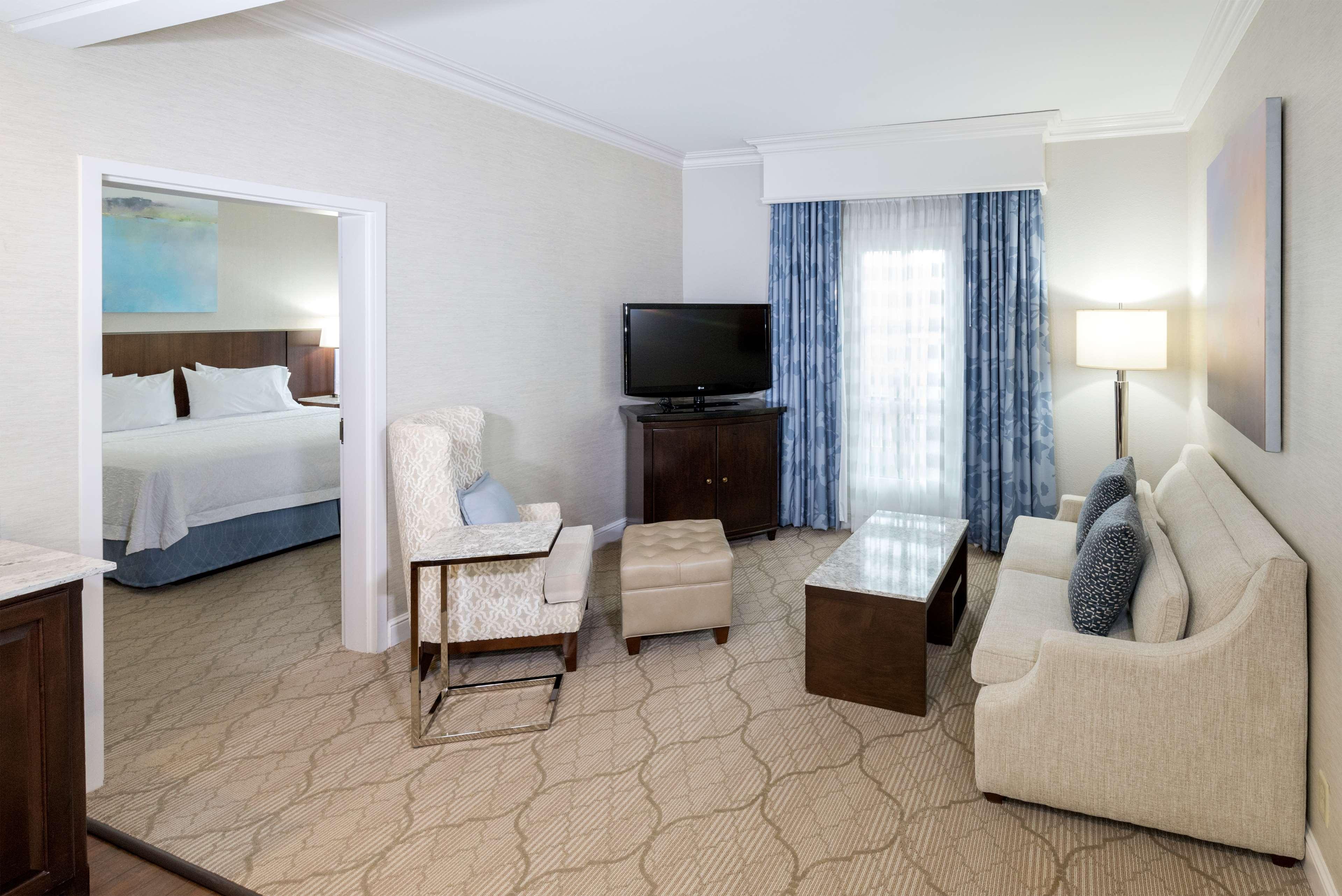 Hampton Inn & Suites Charlotte/South Park at Phillips Place image 28
