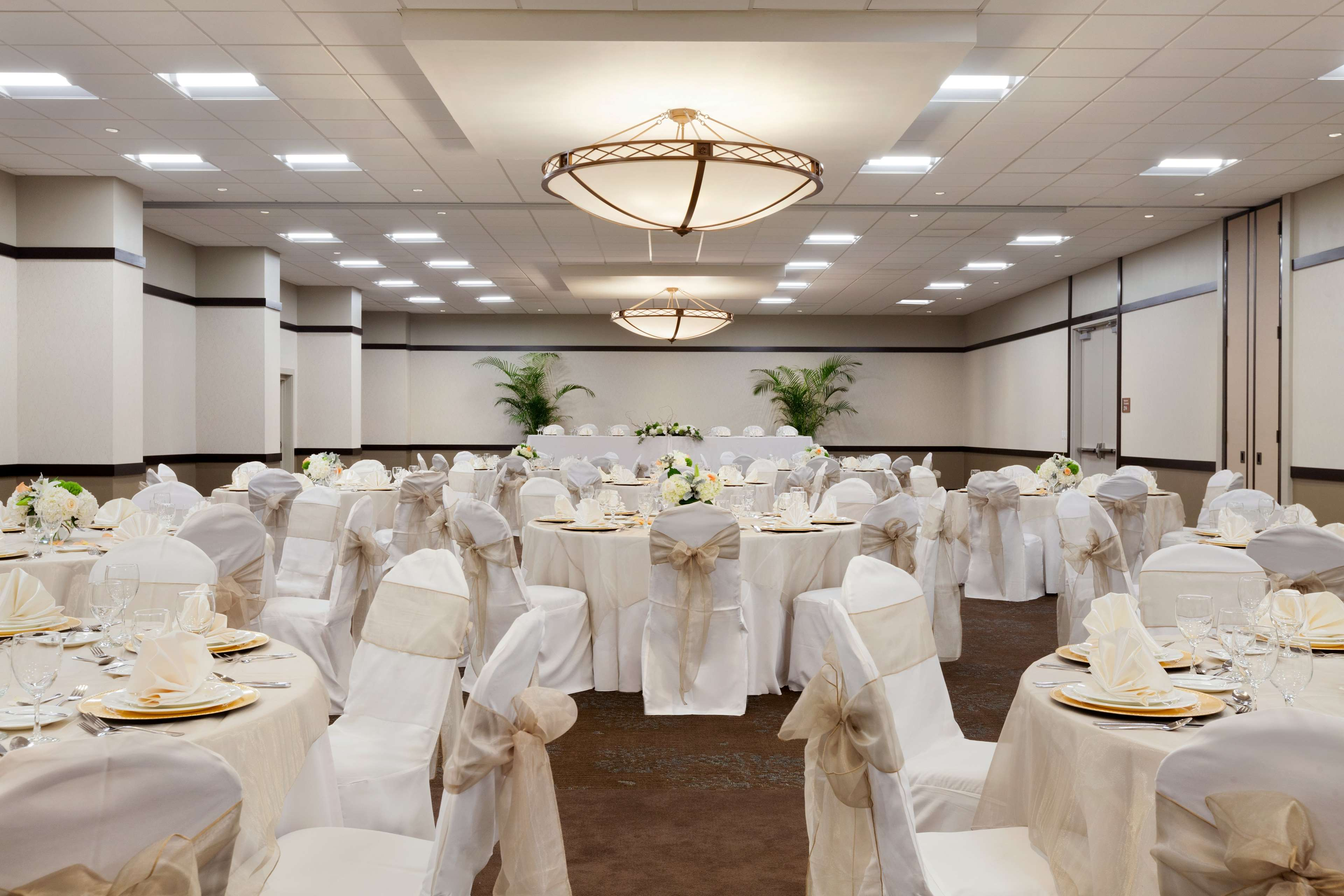Embassy Suites by Hilton Jacksonville Baymeadows image 32
