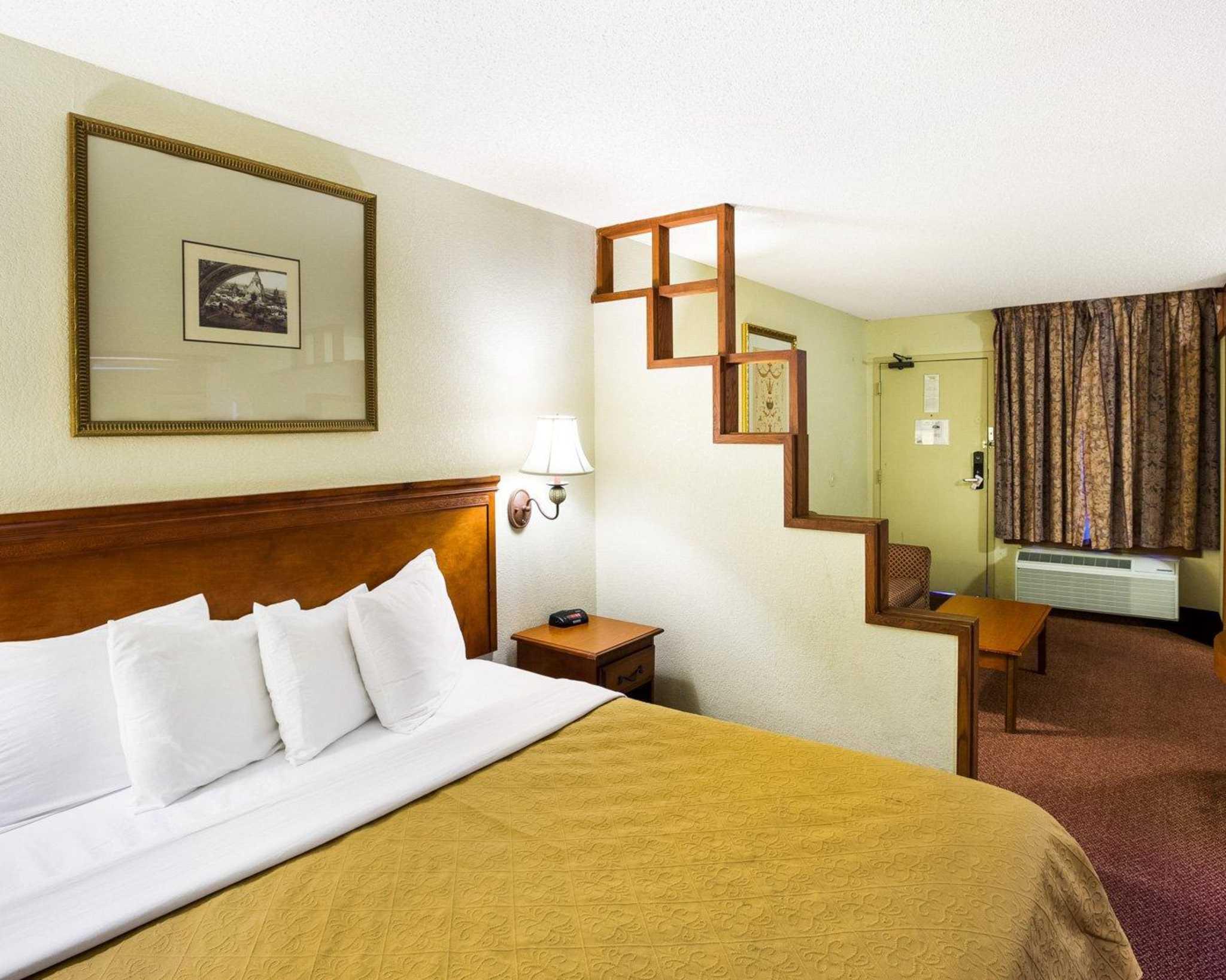 Rodeway Inn & Suites Fiesta Park image 37