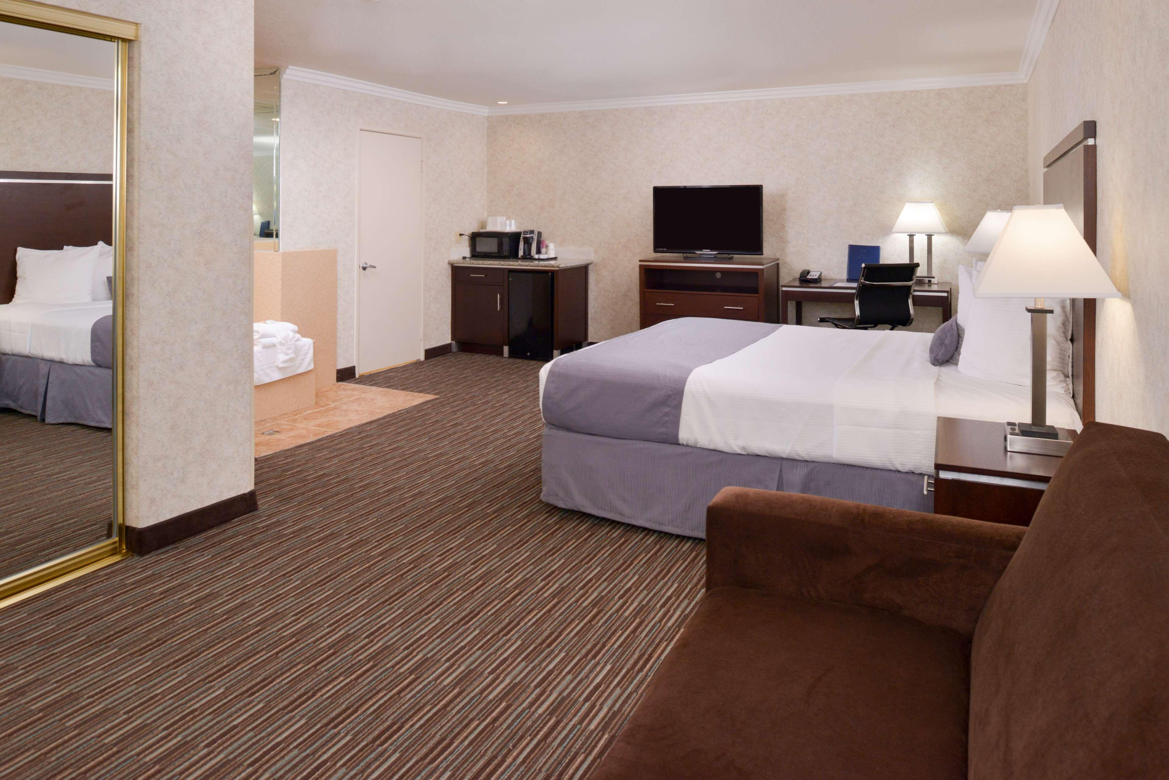 Best Western Redondo Beach Galleria Inn image 17