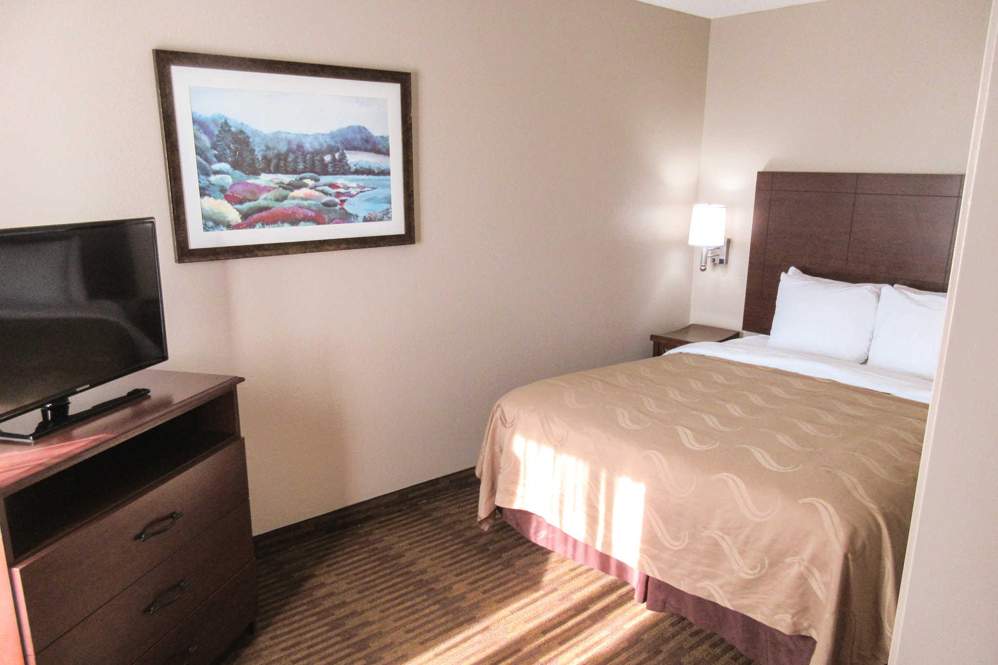 Quality Inn & Suites Lawrence - University Area image 23