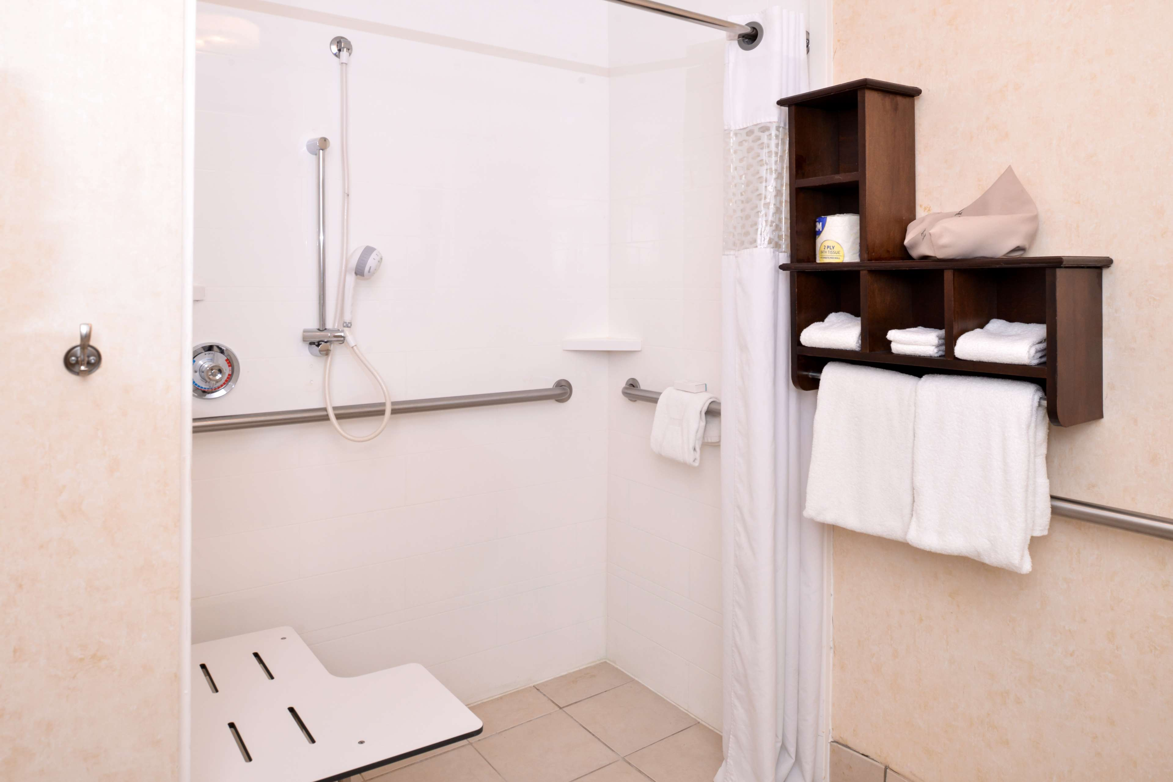 Hampton Inn & Suites Pueblo-Southgate image 25