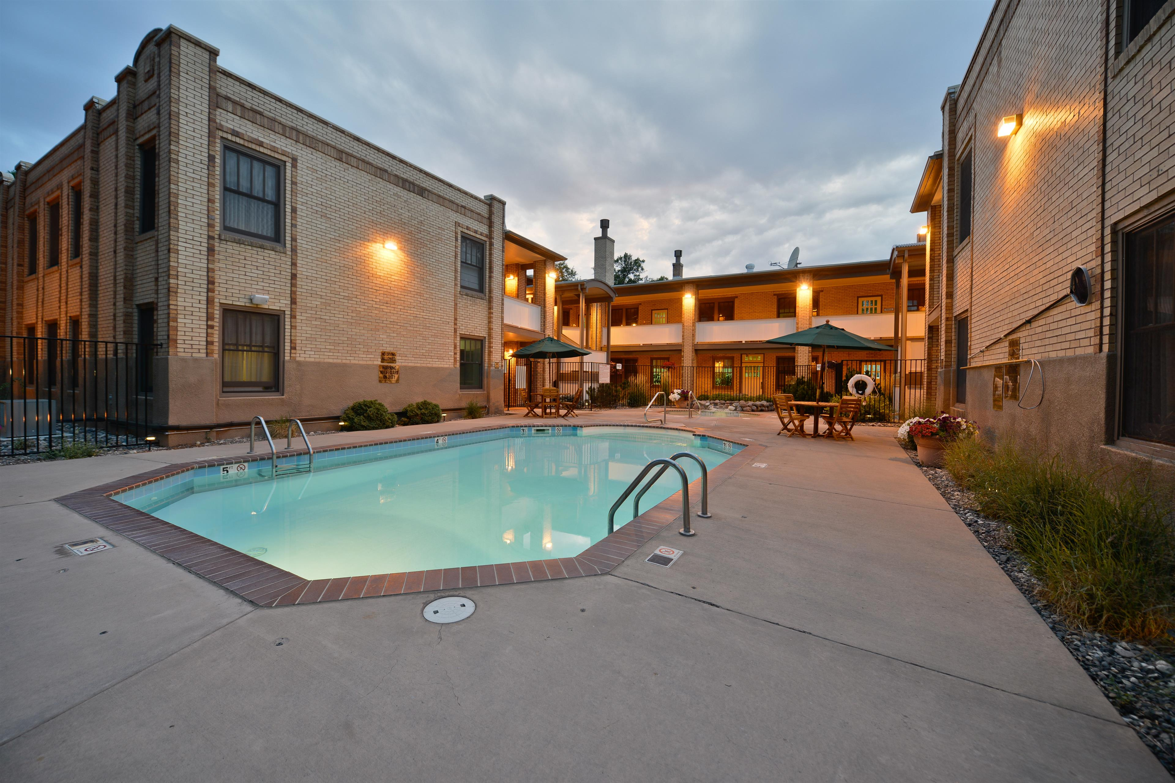 Best Western Plus Plaza Hotel image 17