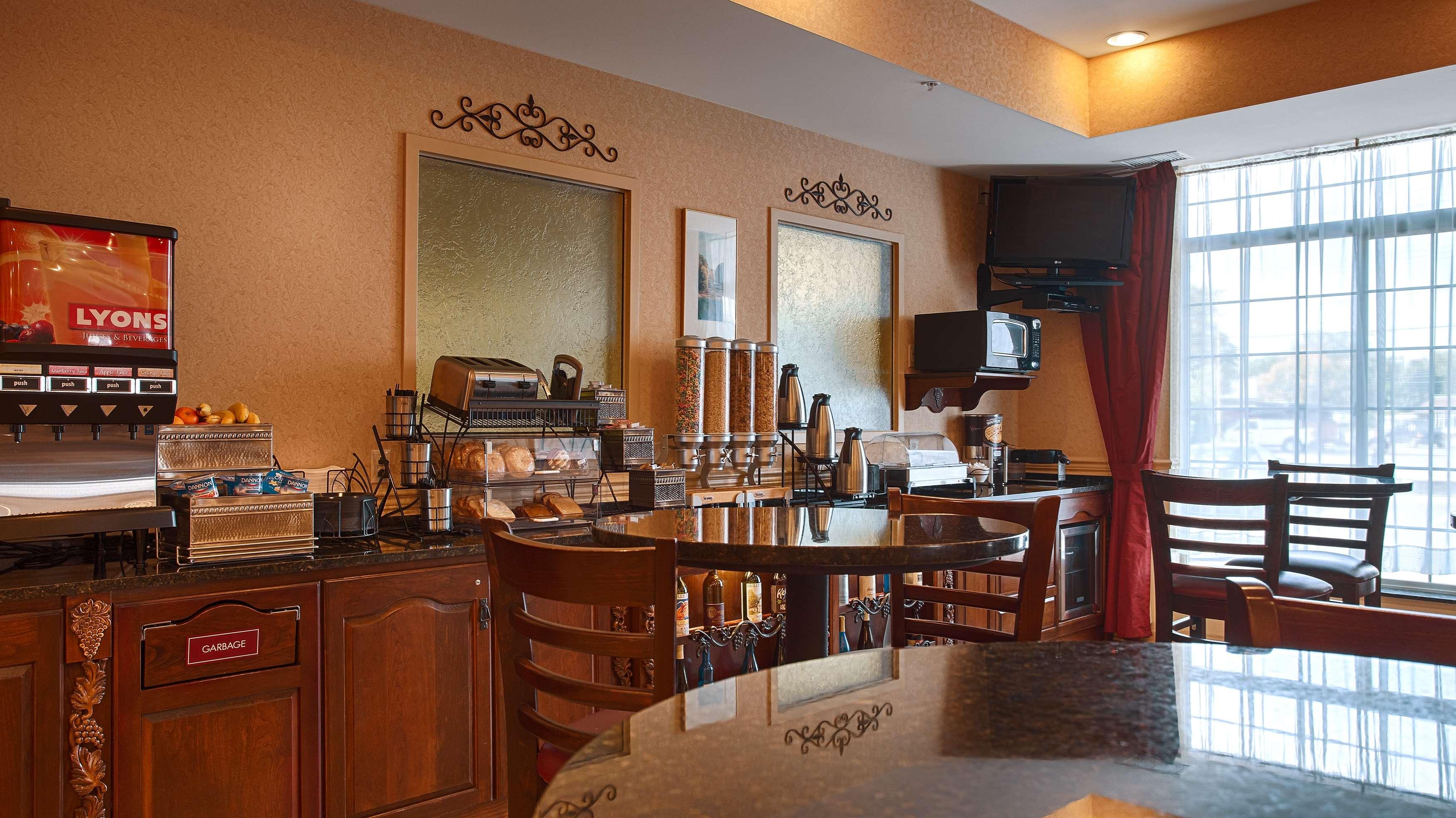Best Western Plus Vineyard Inn & Suites image 25