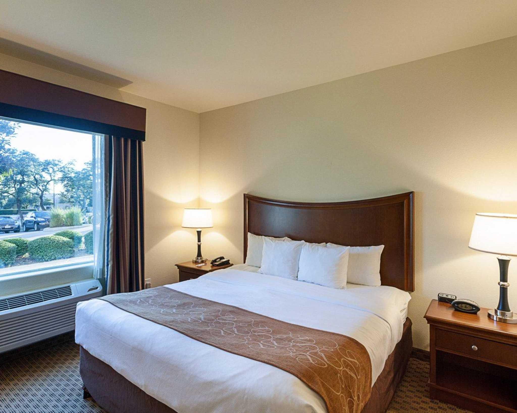 Comfort Suites San Antonio North - Stone Oak image 22