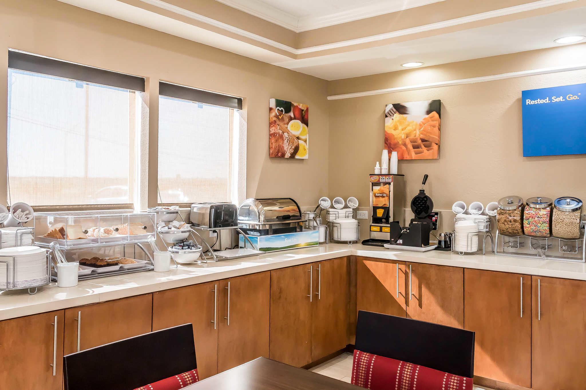 Comfort Inn I-10 EAST Near AT&T Center image 29
