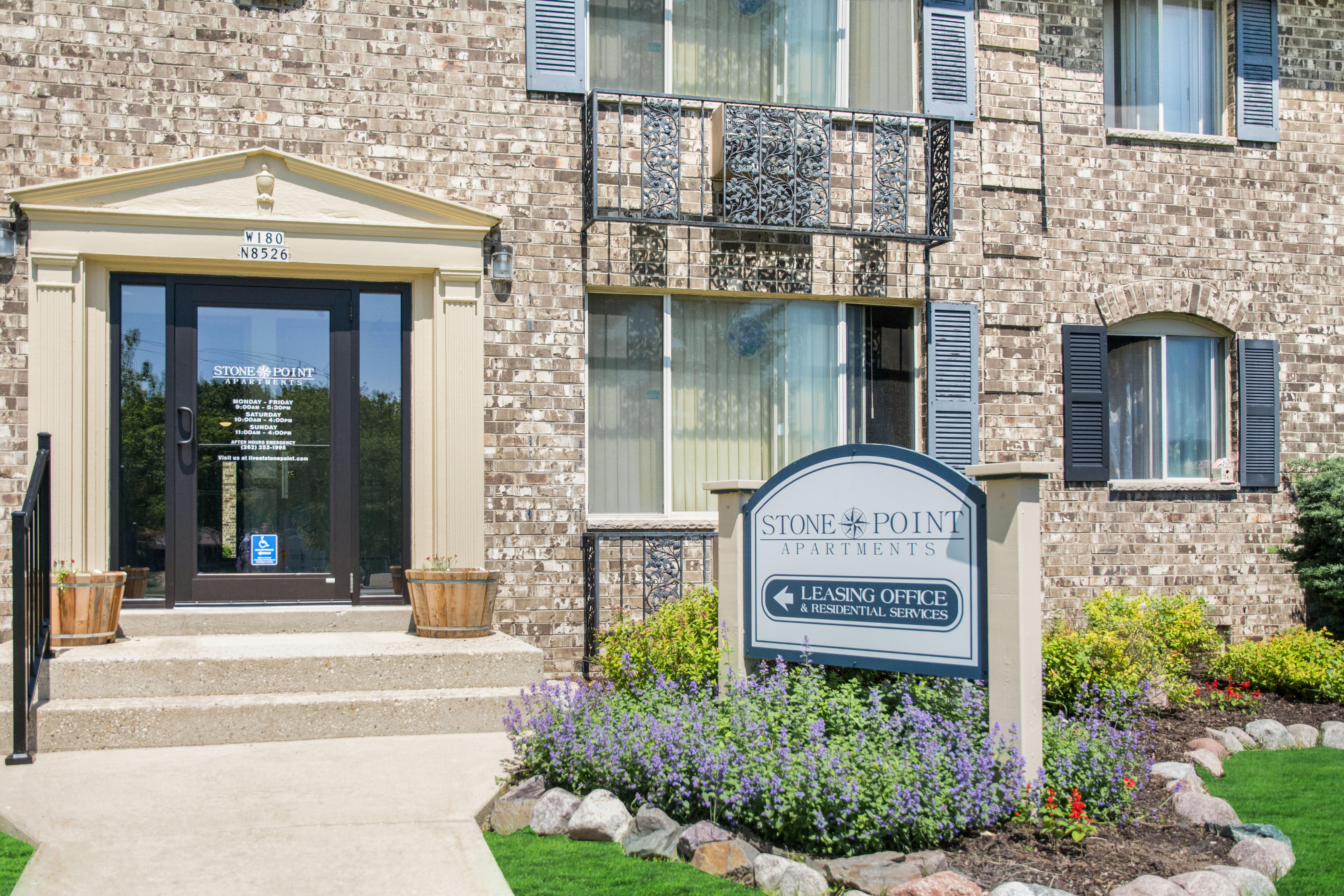 Stone Point Apartments image 1