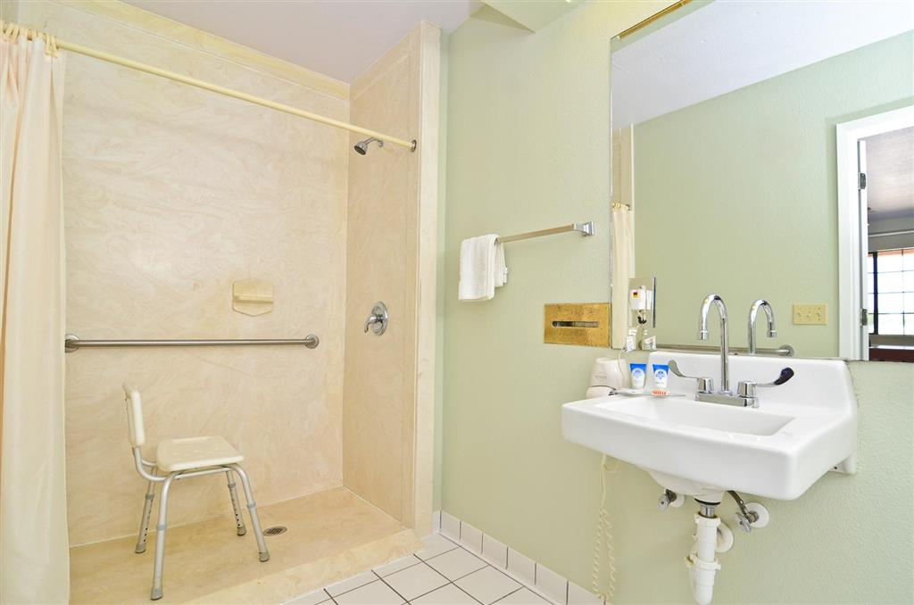Americas Best Value Inn & Suites Smithville image 14