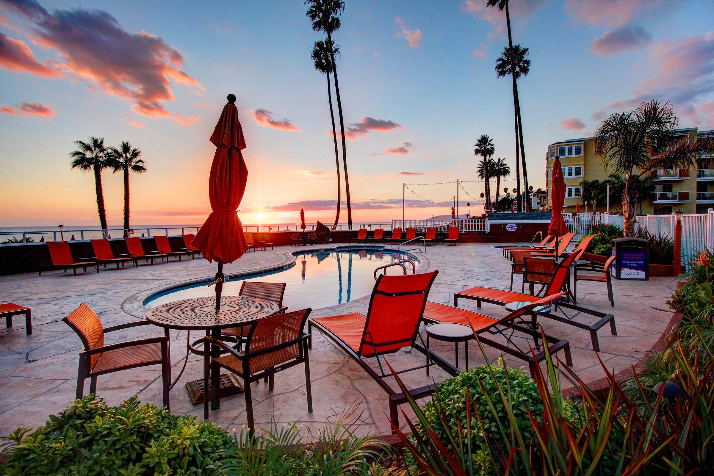 SeaCrest OceanFront Hotel image 4