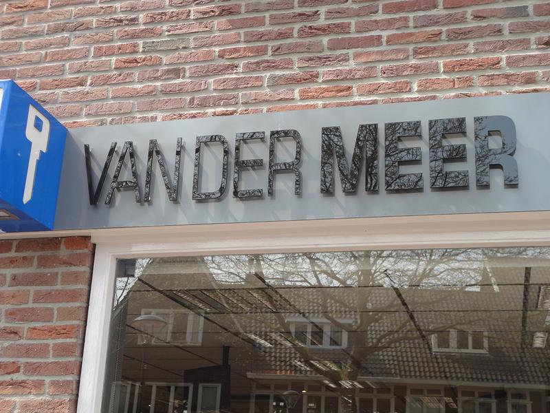 Safe & Secure Van der Meer