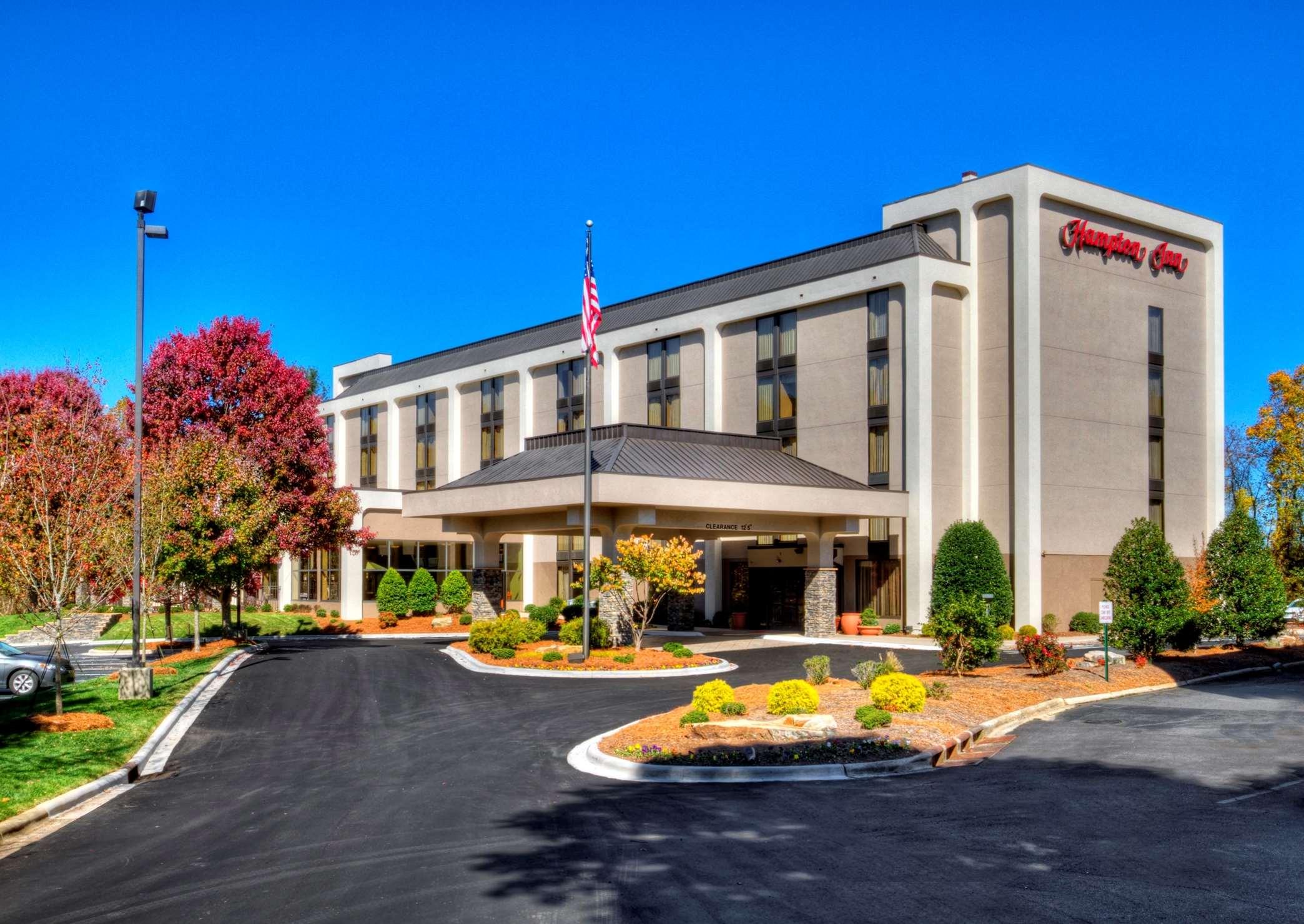 Hampton Inn Asheville I-26 Biltmore Area image 18