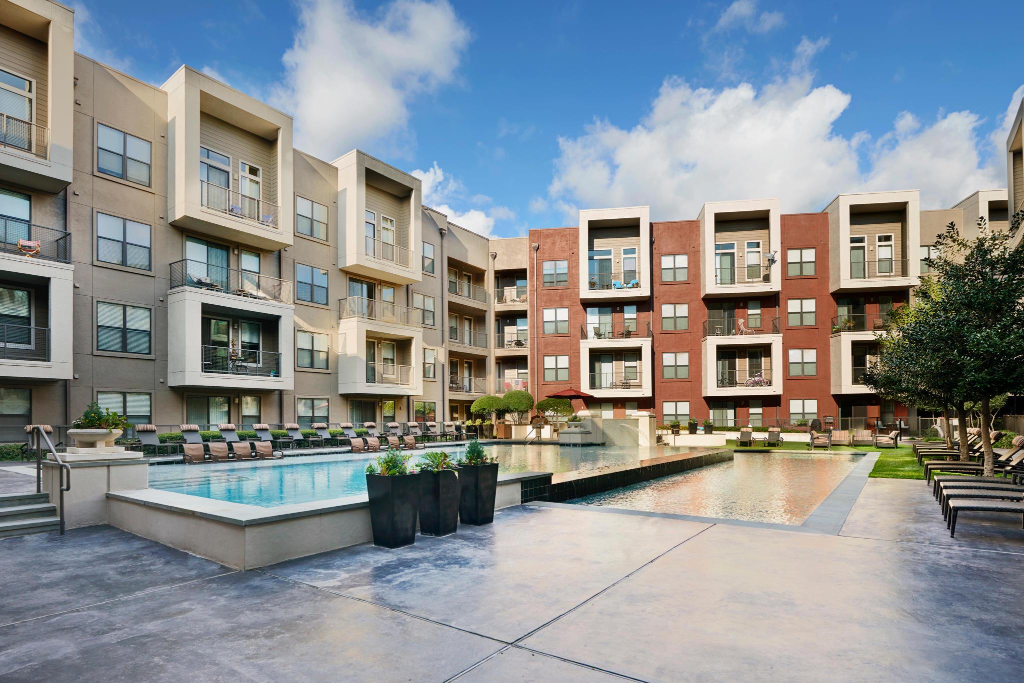 Camden Design District Apartments image 12