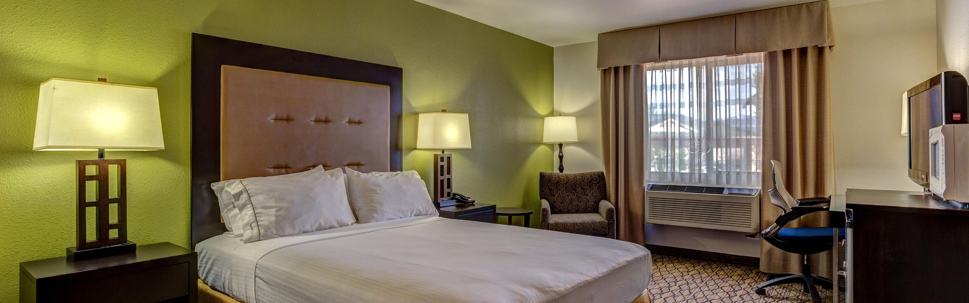 Holiday Inn Express & Suites Montrose image 1