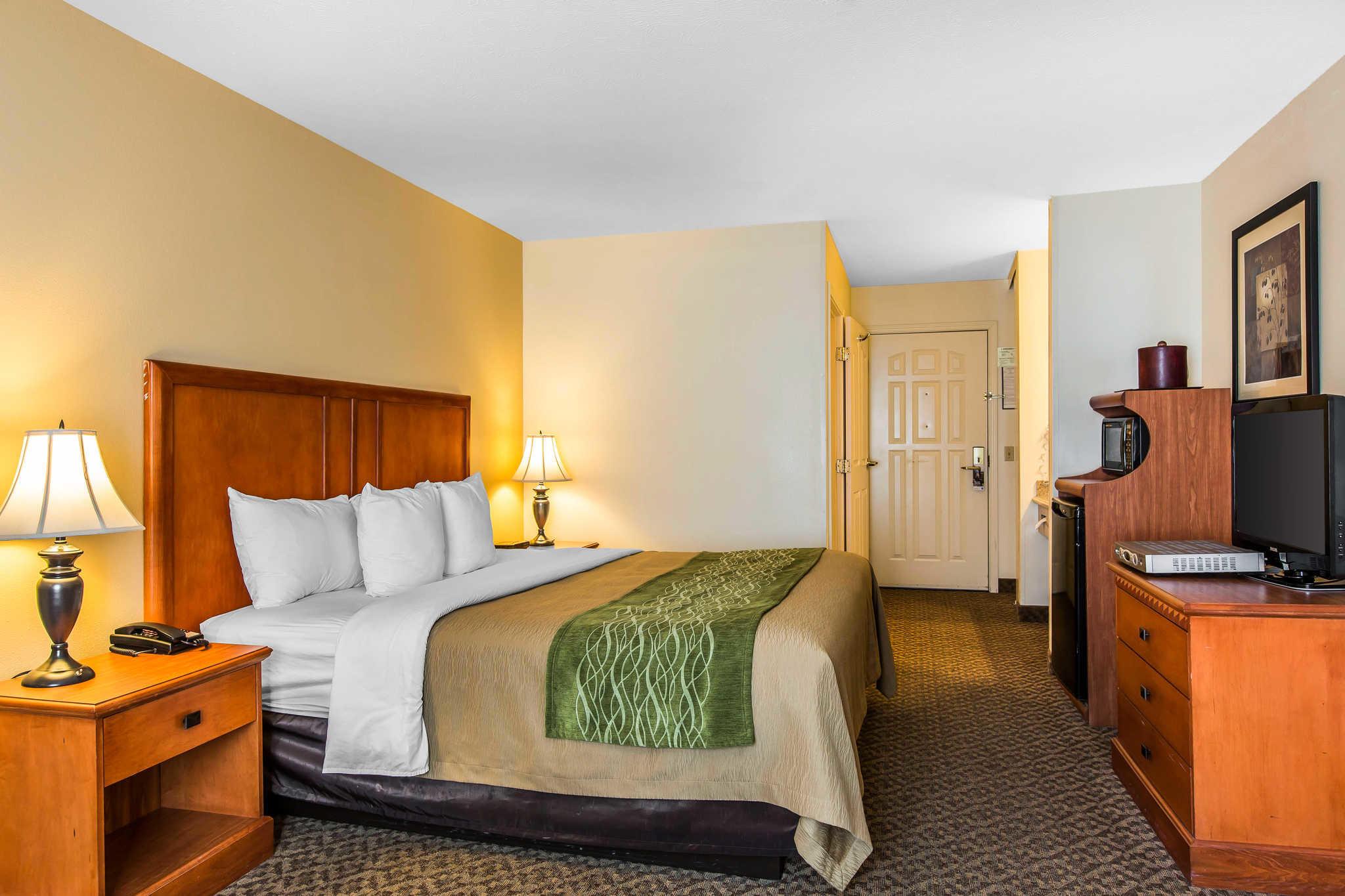 Comfort Inn & Suites El Centro I-8 image 6